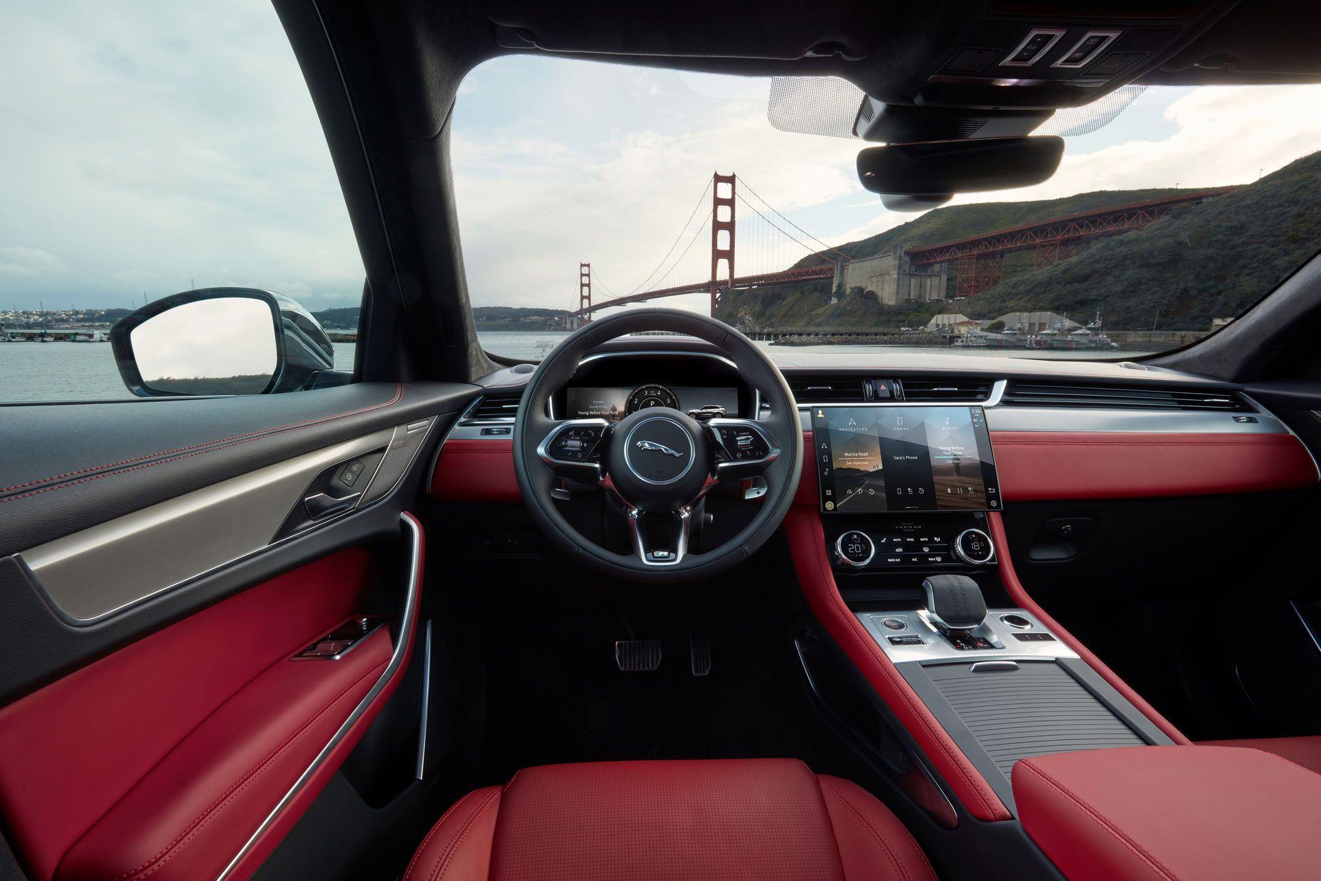 Jaguar-F-Pace-2021-134