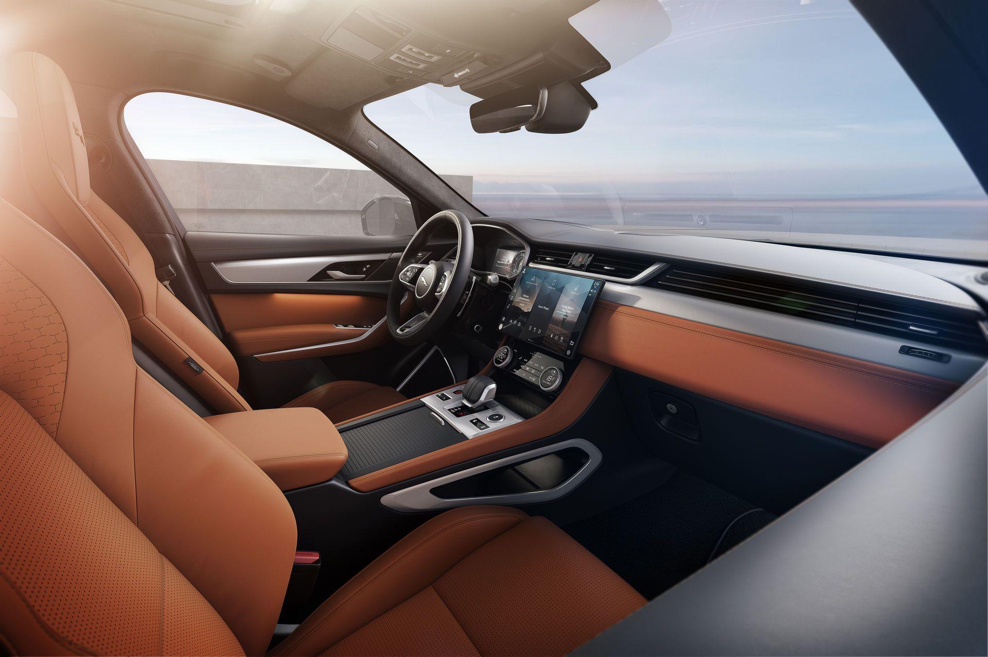 Jaguar-F-Pace-2021-27