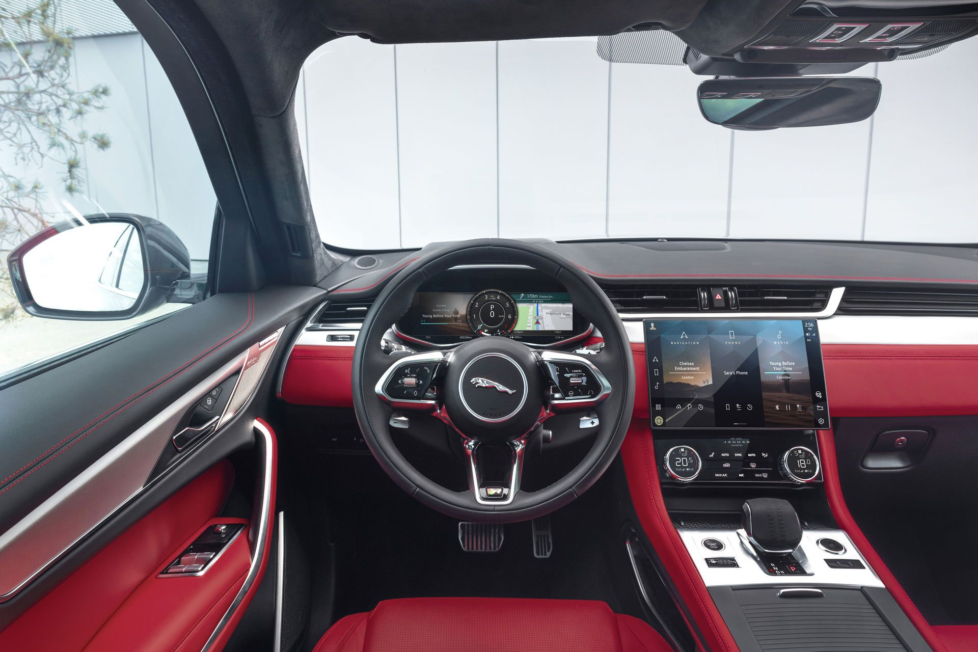Jaguar-F-Pace-2021-34