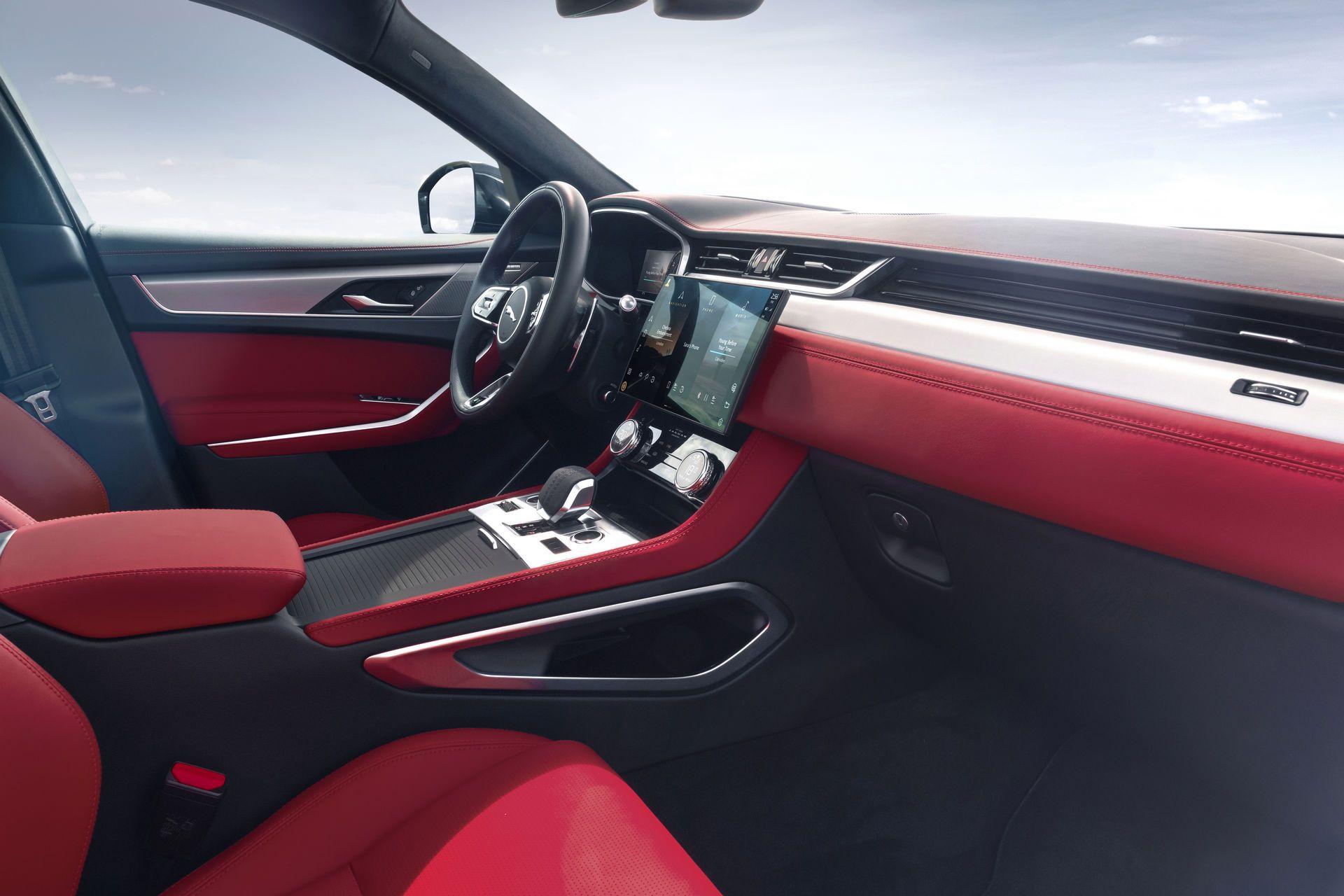 Jaguar-F-Pace-2021-35