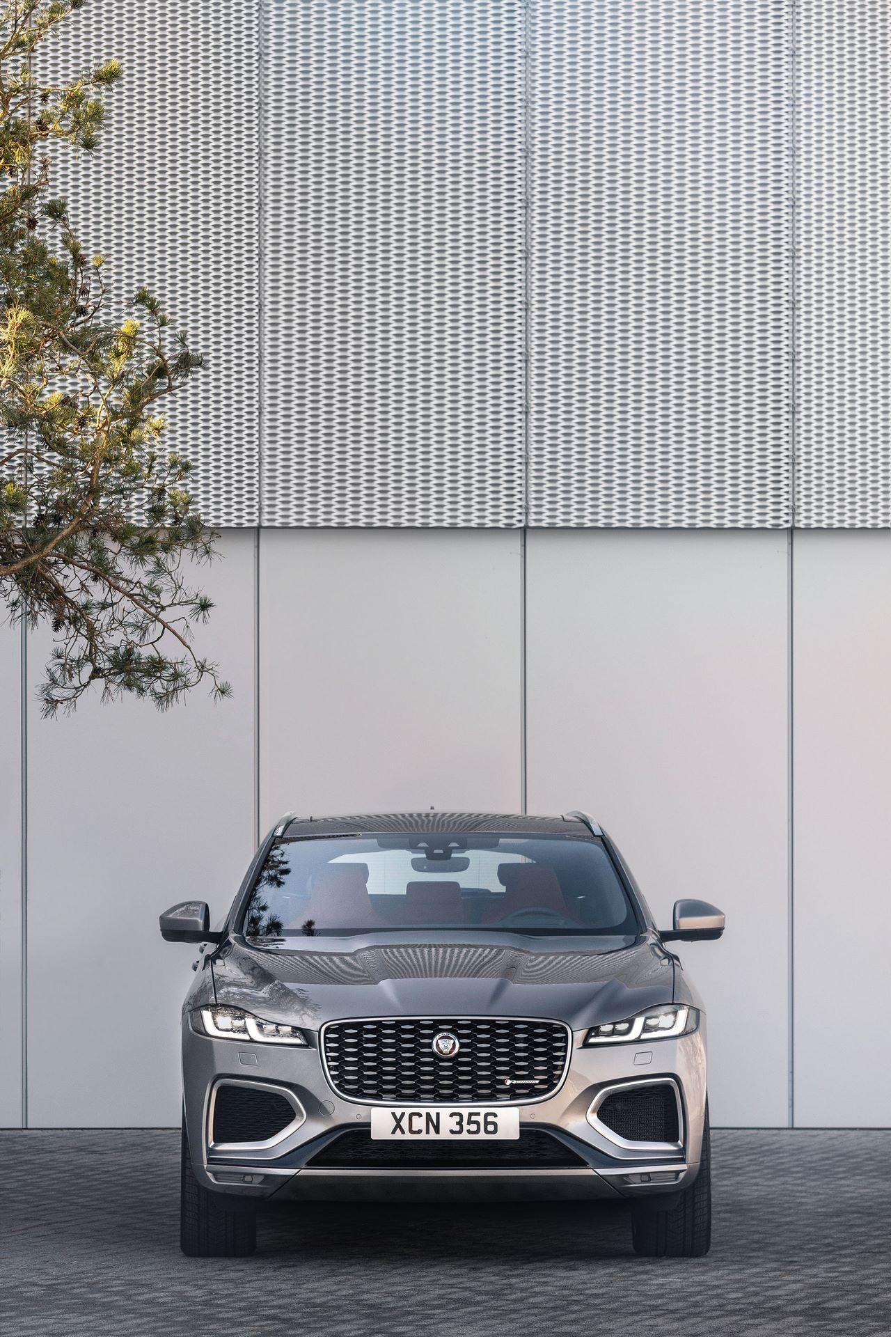 Jaguar-F-Pace-2021-58