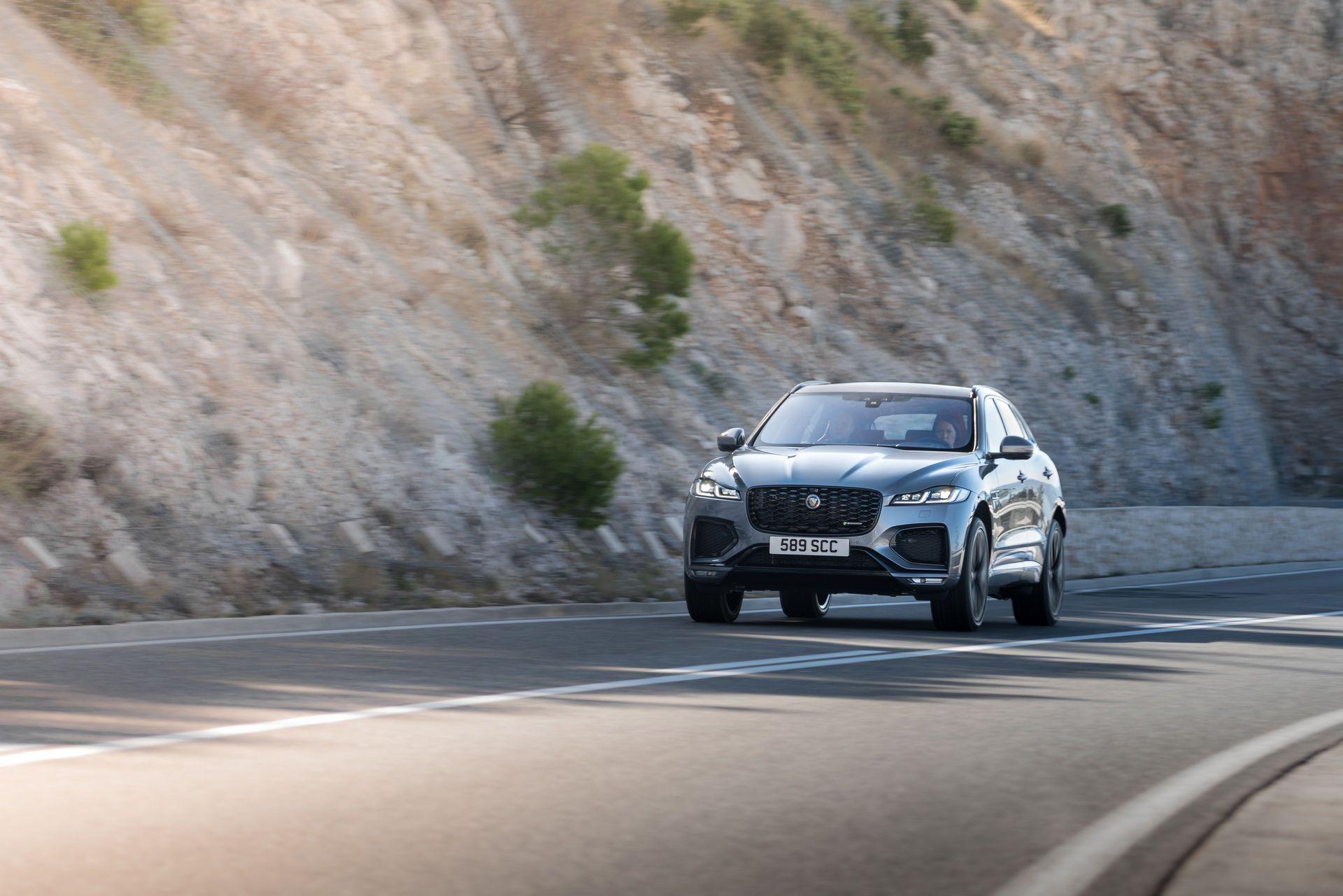Jaguar-F-Pace-2021-64