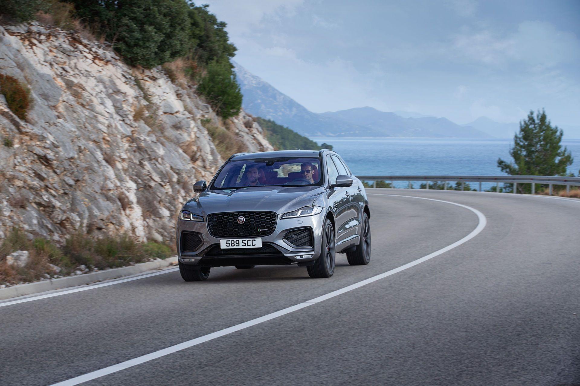 Jaguar-F-Pace-2021-85