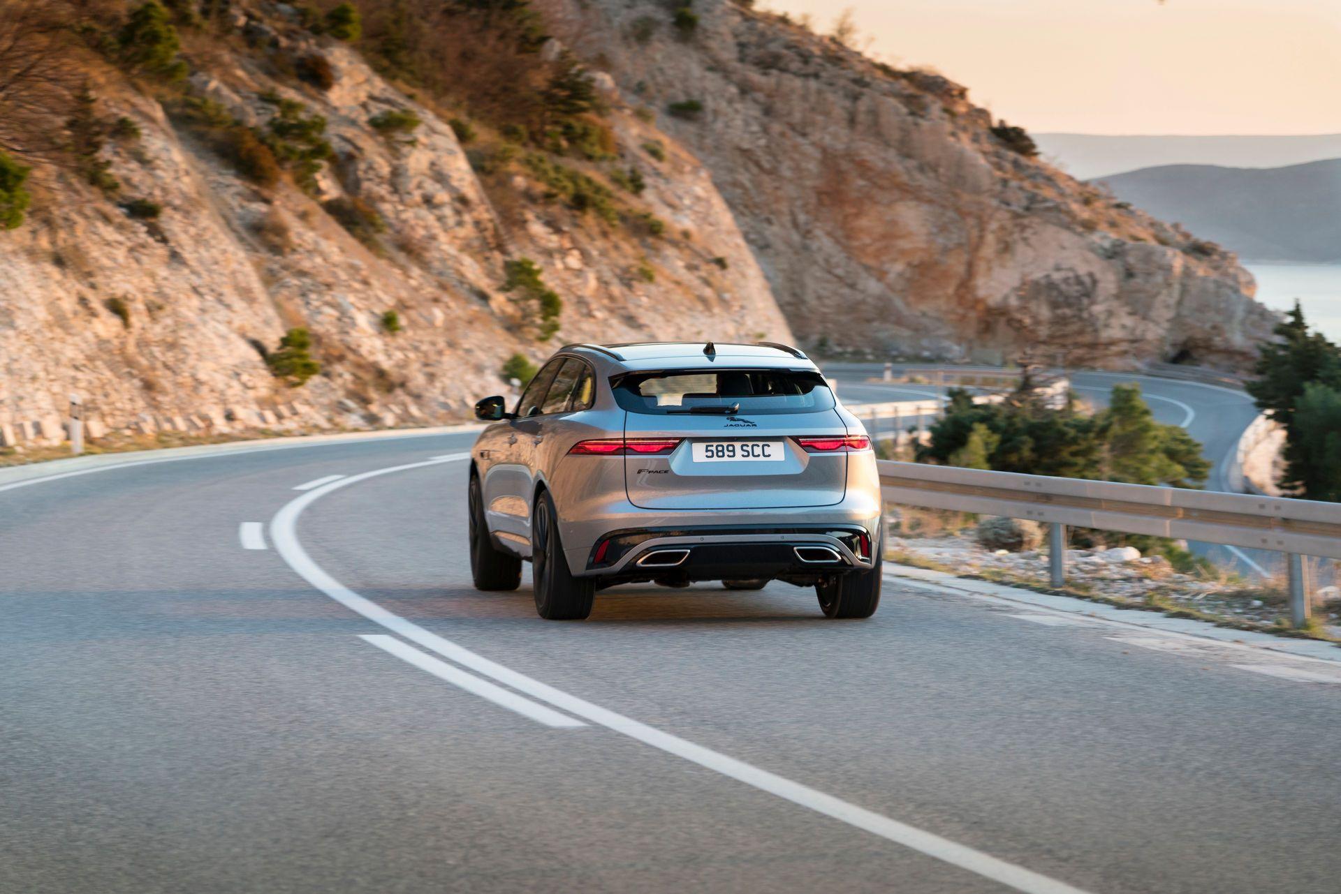 Jaguar-F-Pace-2021-90