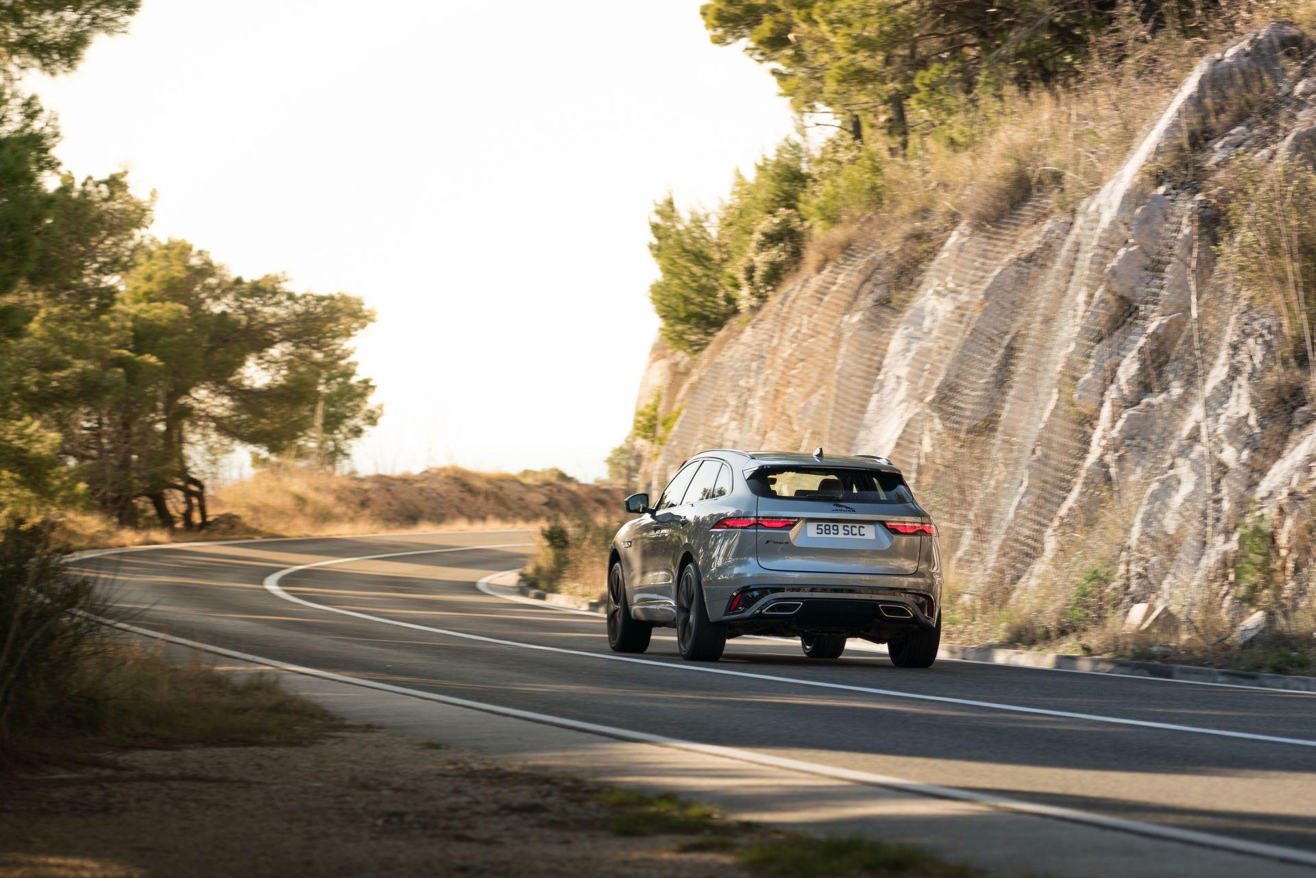 Jaguar-F-Pace-2021-91