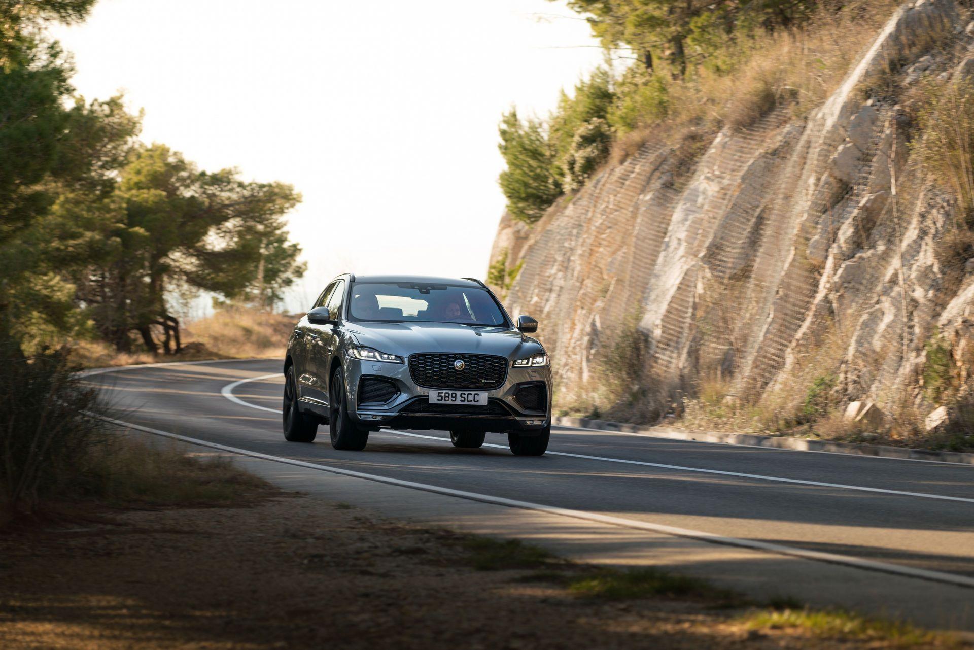 Jaguar-F-Pace-2021-92