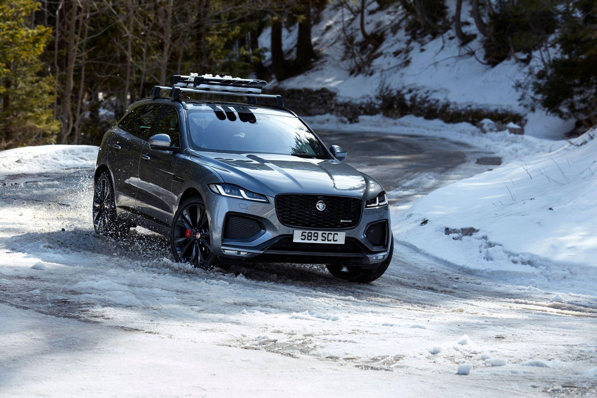 Jaguar-F-Pace-2021-94