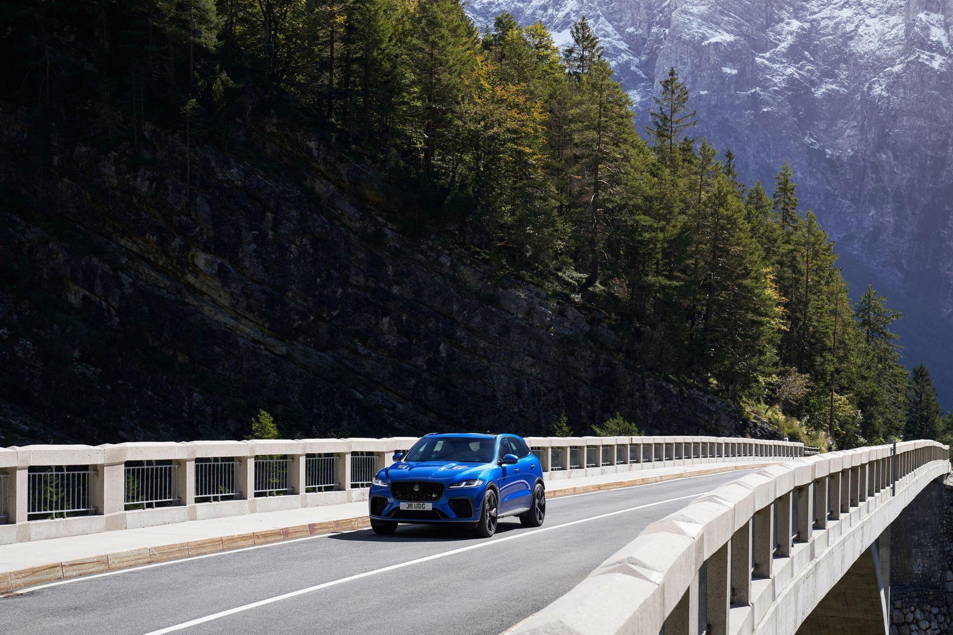 Jaguar-F-Pace-SVR-facelift-2021-12