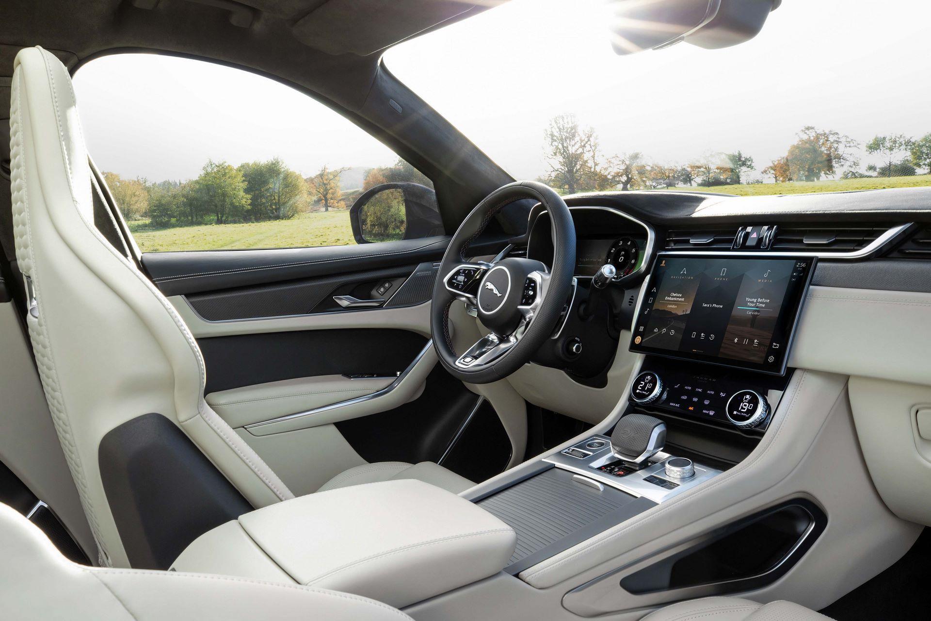 Jaguar-F-Pace-SVR-facelift-2021-14