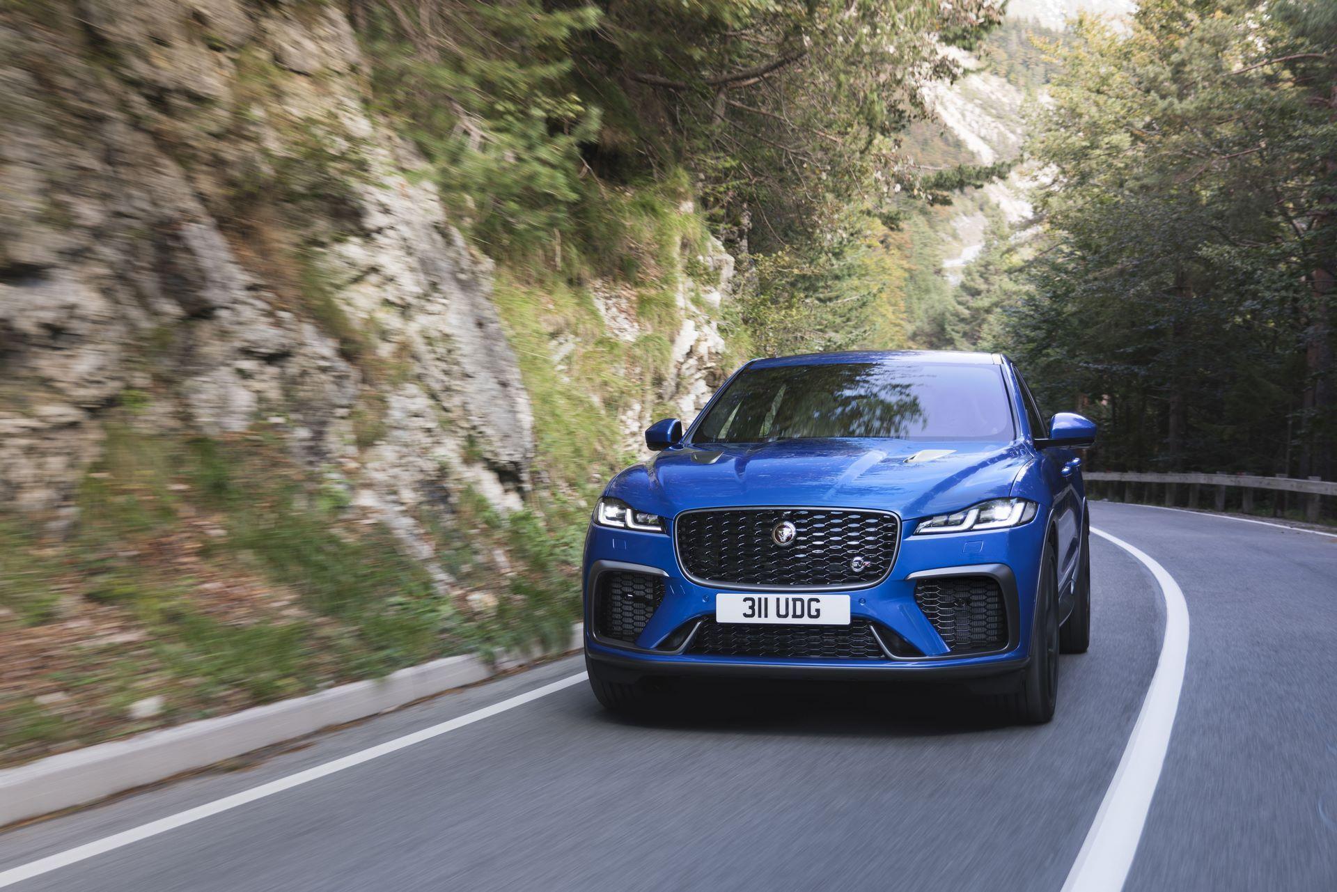 Jaguar-F-Pace-SVR-facelift-2021-2