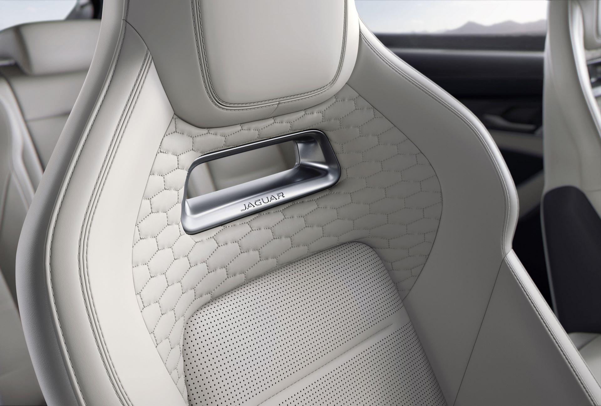 Jaguar-F-Pace-SVR-facelift-2021-24