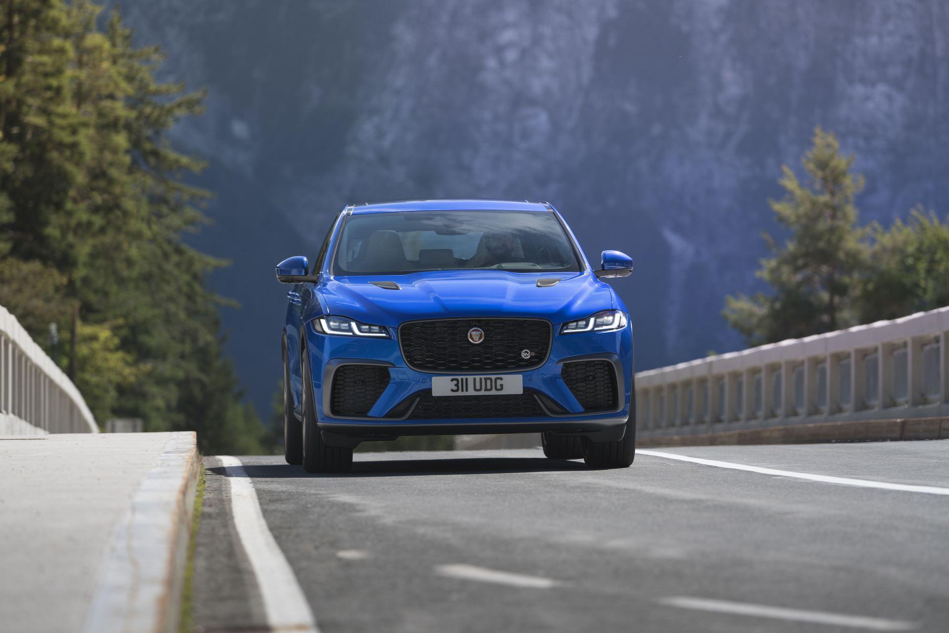 Jaguar-F-Pace-SVR-facelift-2021-3