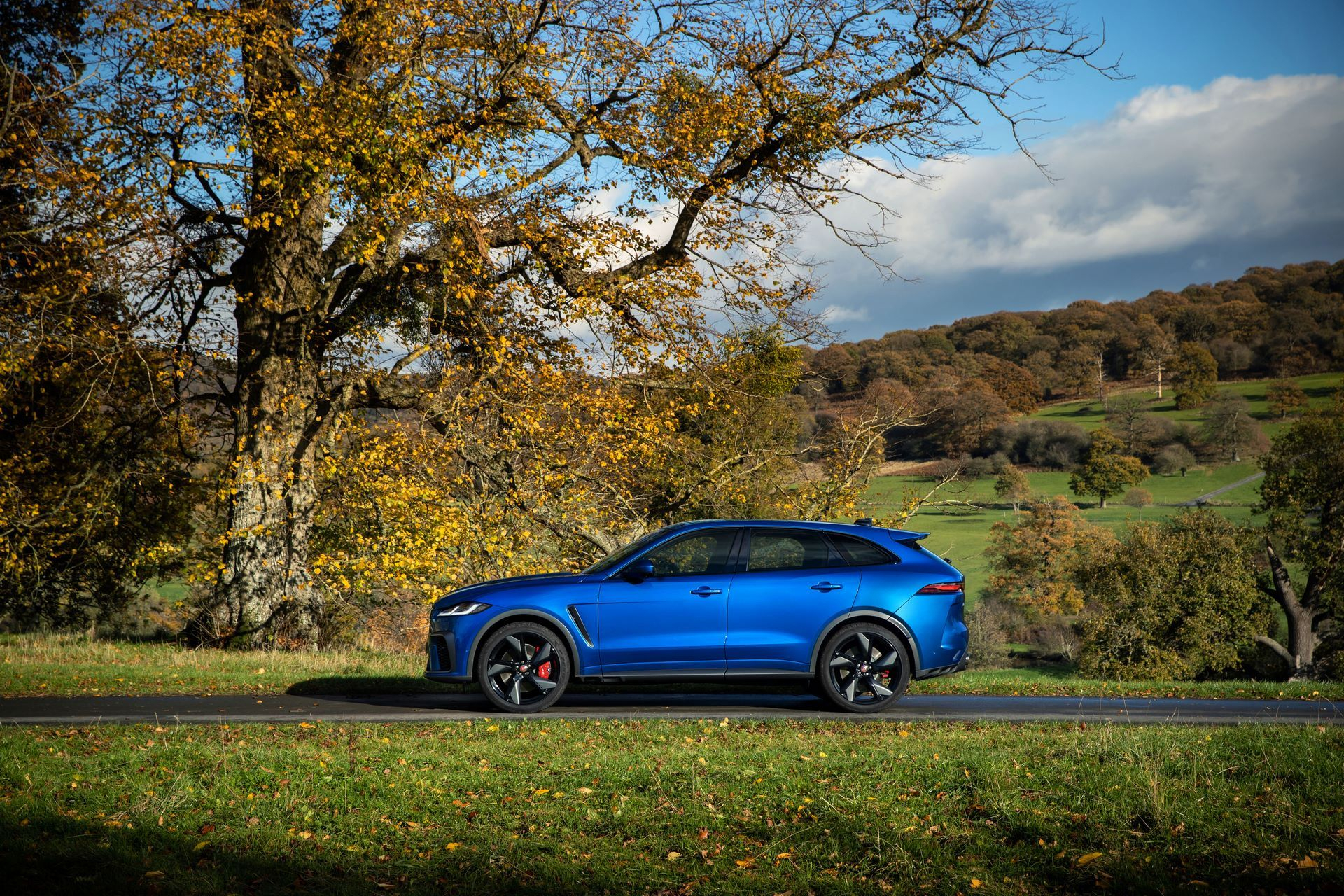 Jaguar-F-Pace-SVR-facelift-2021-30