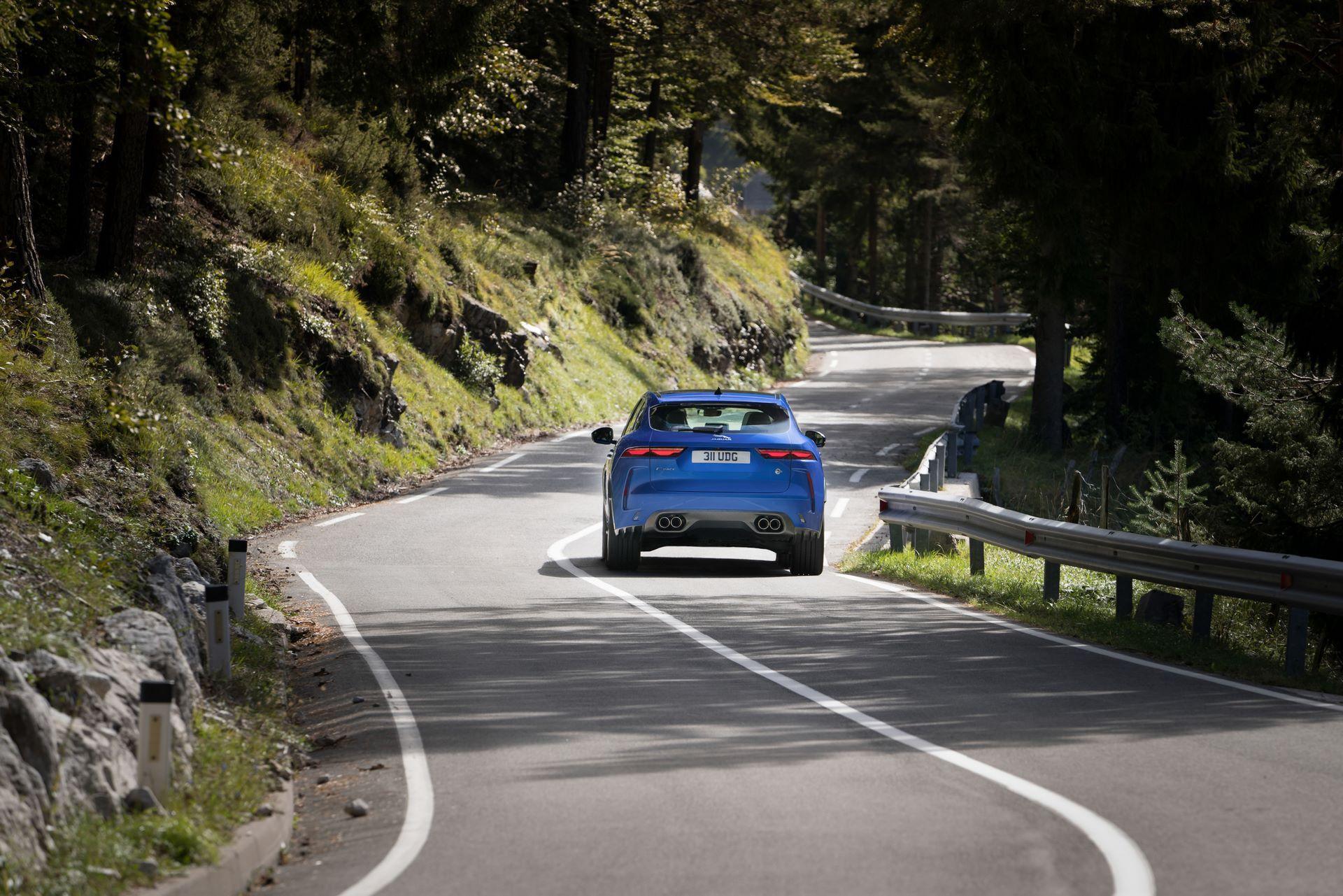 Jaguar-F-Pace-SVR-facelift-2021-5
