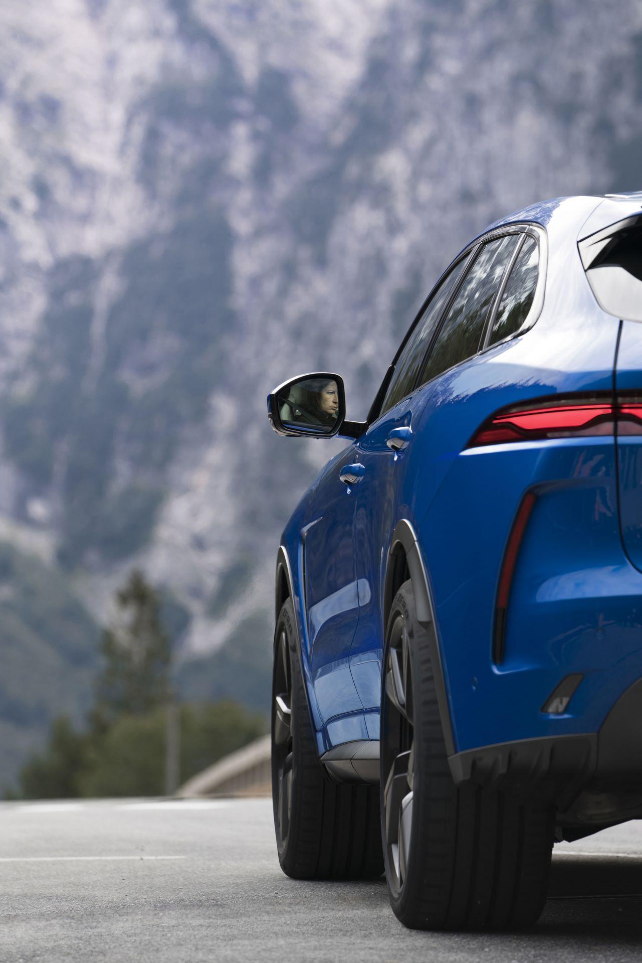 Jaguar-F-Pace-SVR-facelift-2021-6