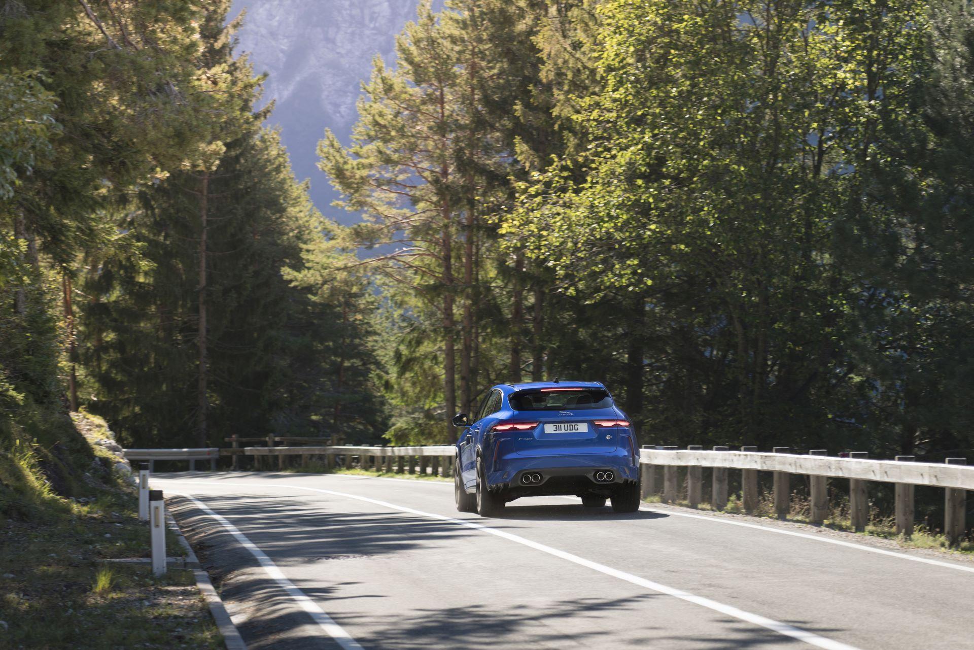 Jaguar-F-Pace-SVR-facelift-2021-8