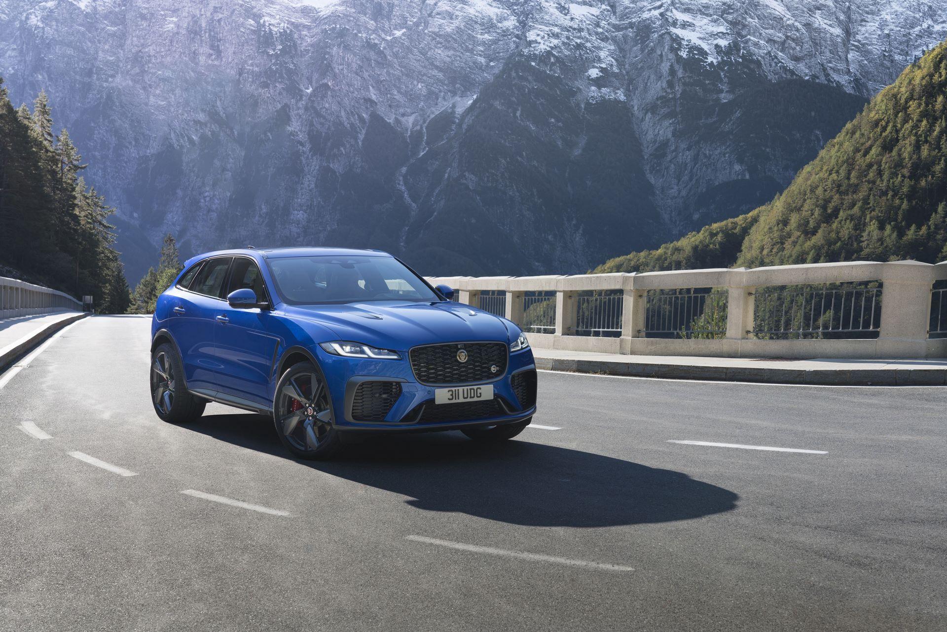 Jaguar-F-Pace-SVR-facelift-2021-9