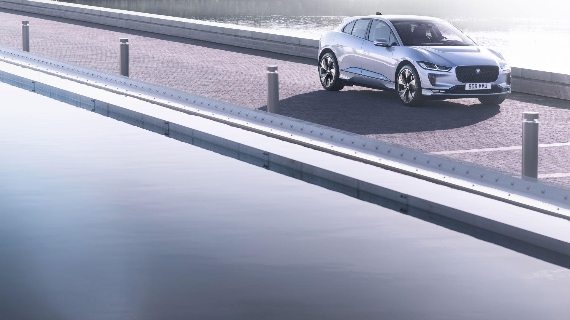 Jaguar-I-Pace-2021-10