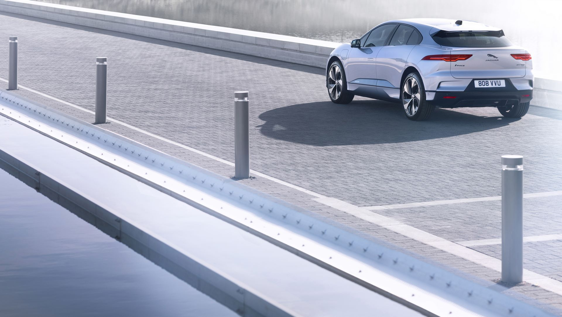 Jaguar-I-Pace-2021-11