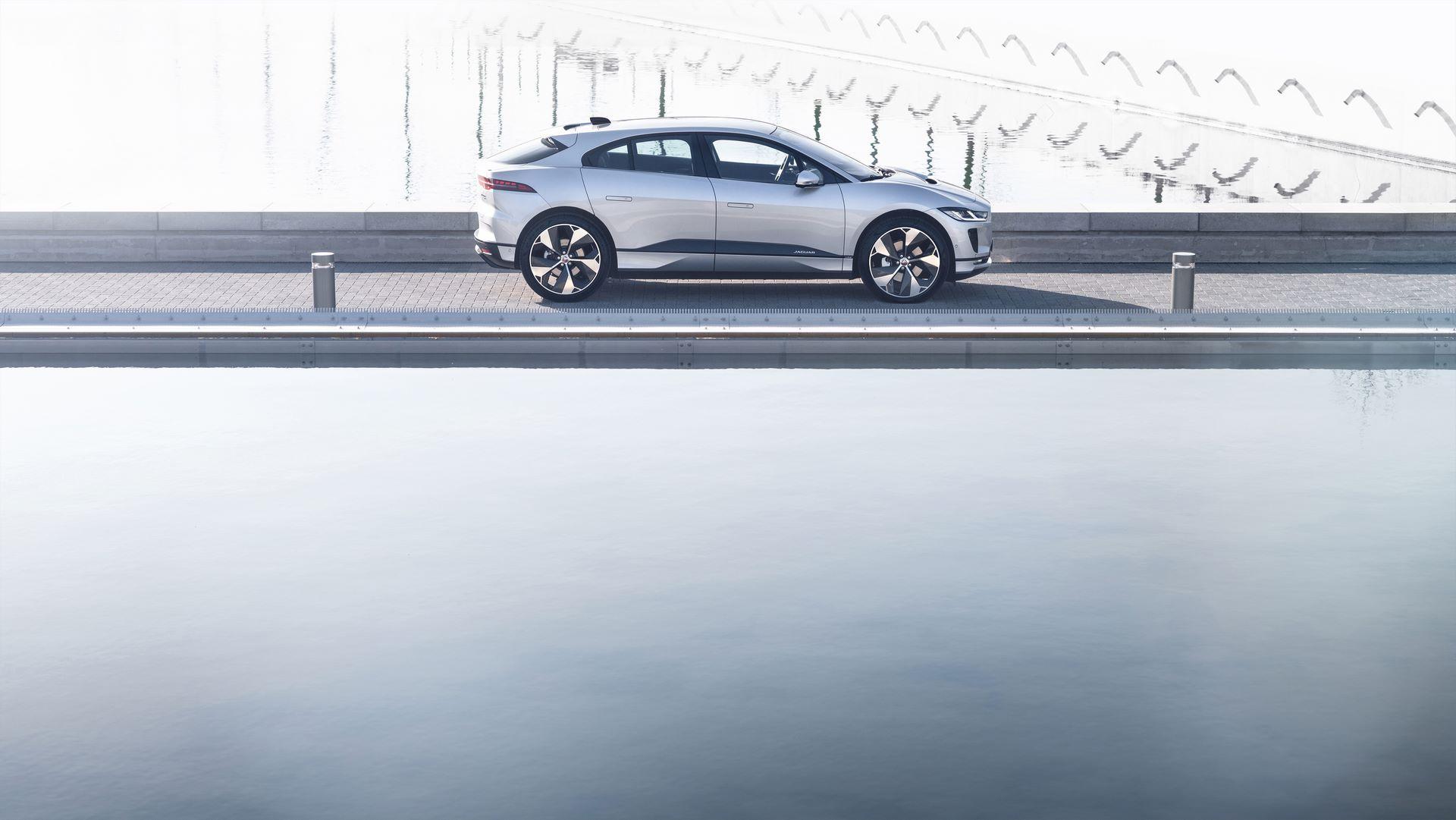 Jaguar-I-Pace-2021-12