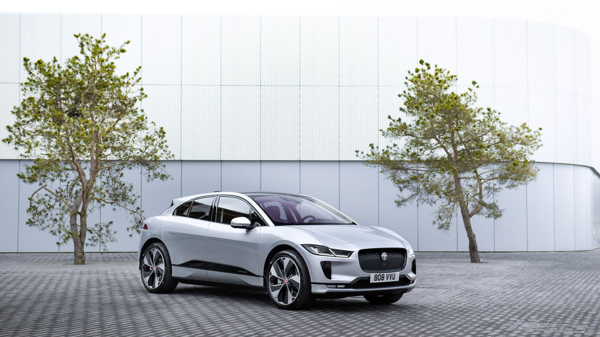 Jaguar-I-Pace-2021-15