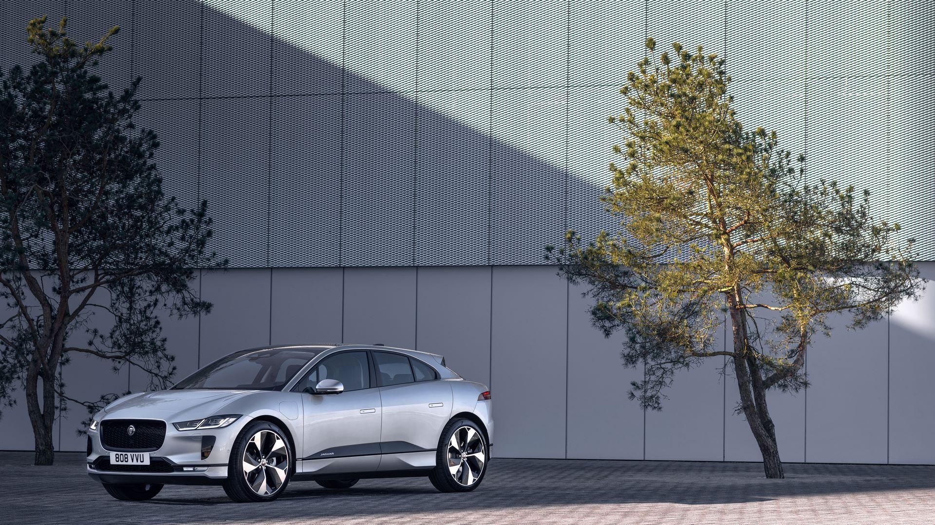 Jaguar-I-Pace-2021-16