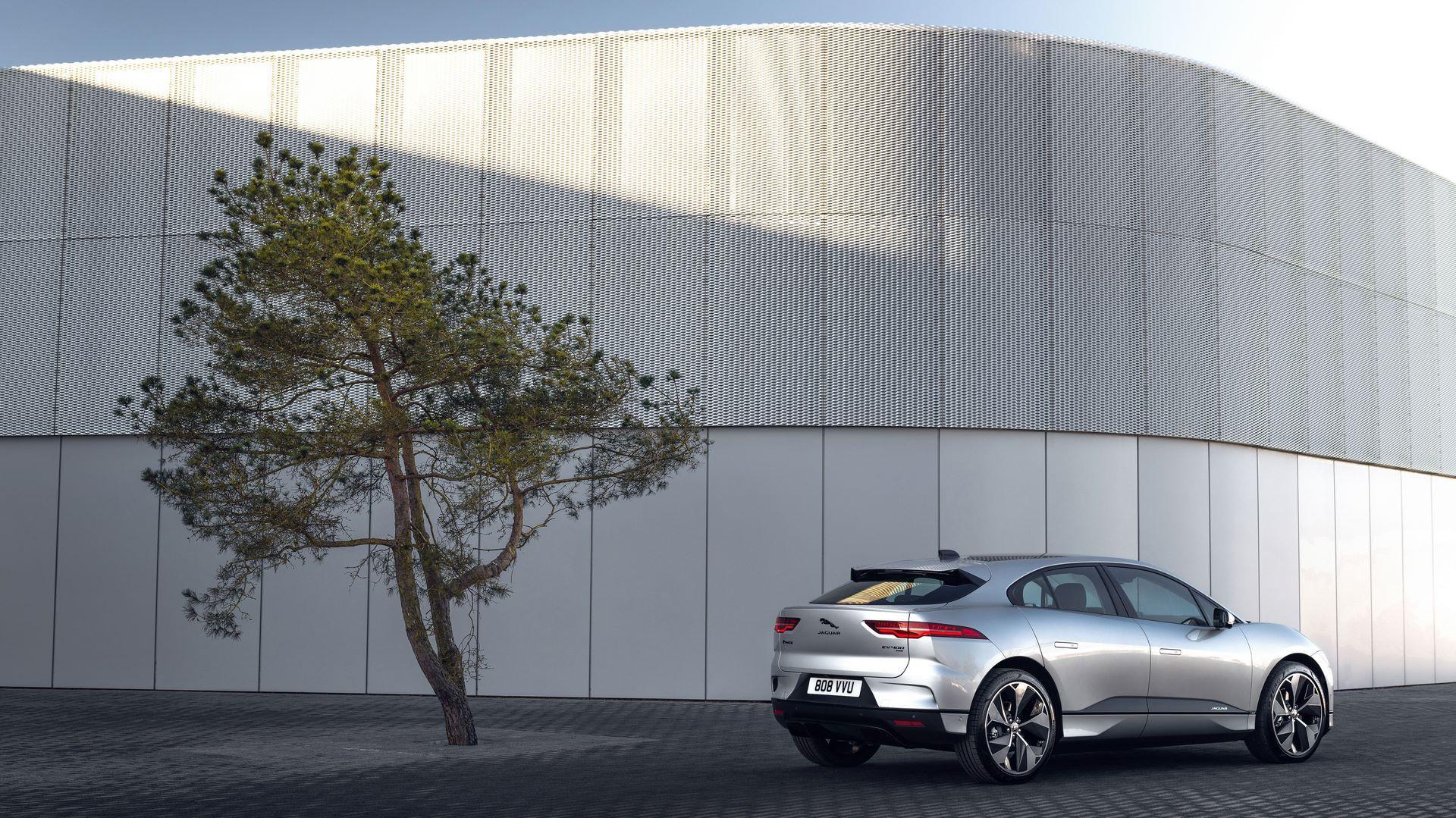 Jaguar-I-Pace-2021-17
