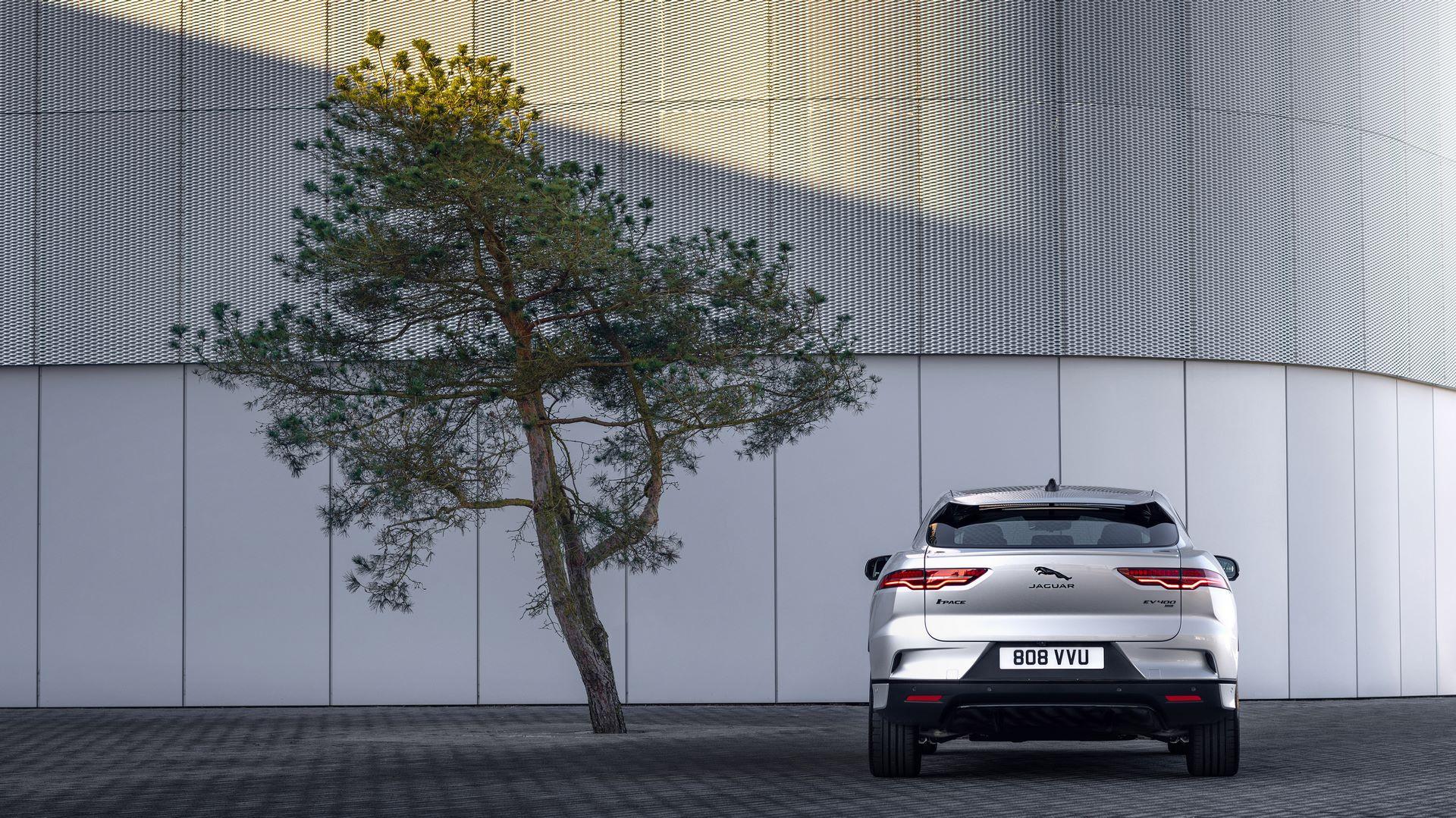 Jaguar-I-Pace-2021-19