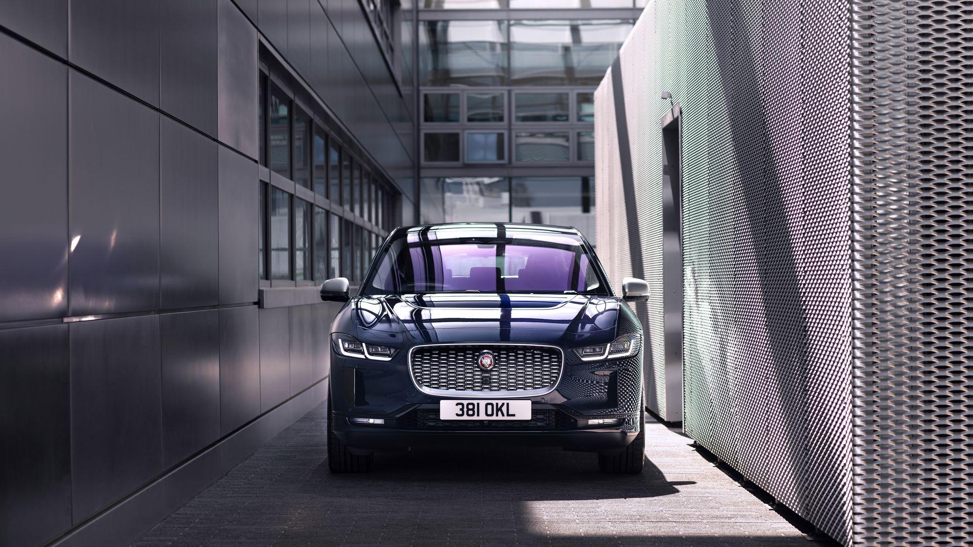 Jaguar-I-Pace-2021-21
