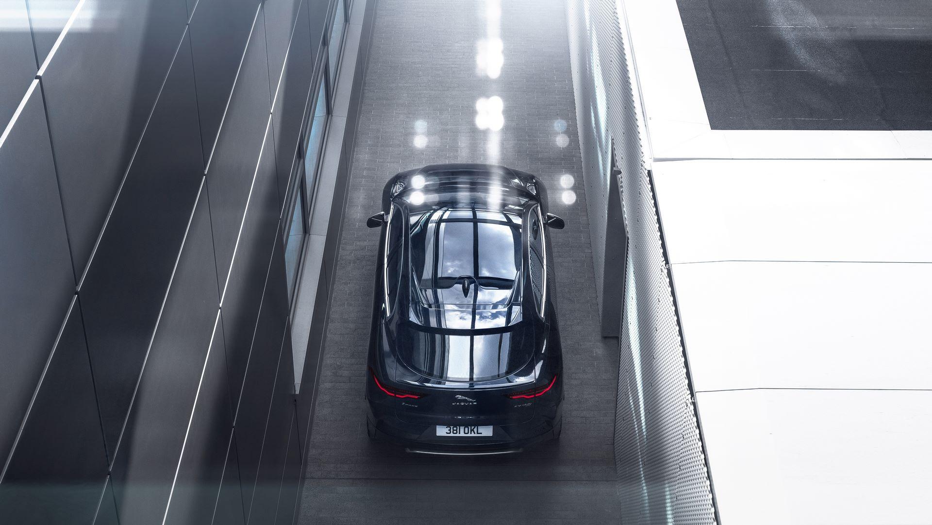 Jaguar-I-Pace-2021-24