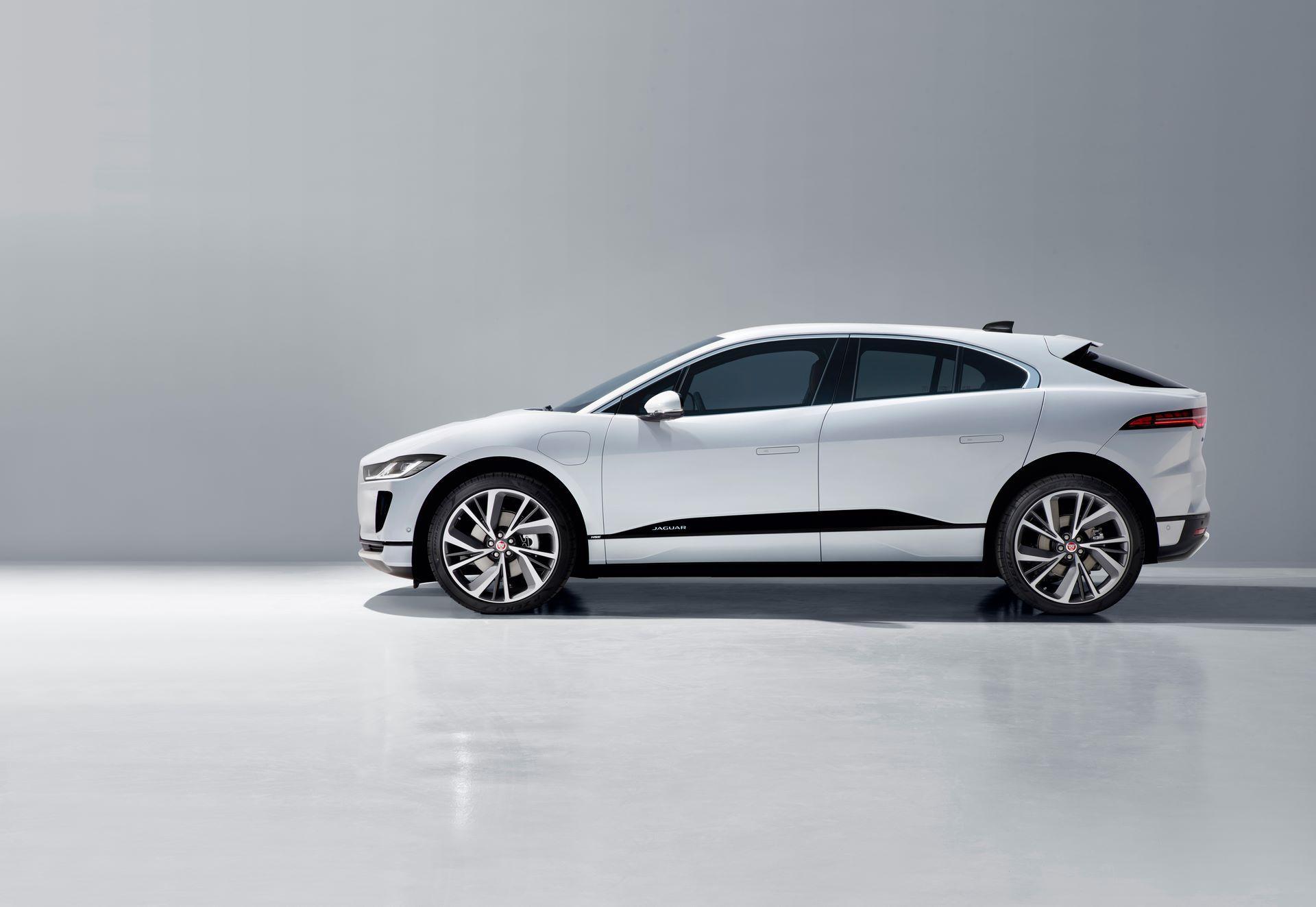 Jaguar-I-Pace-2021-29