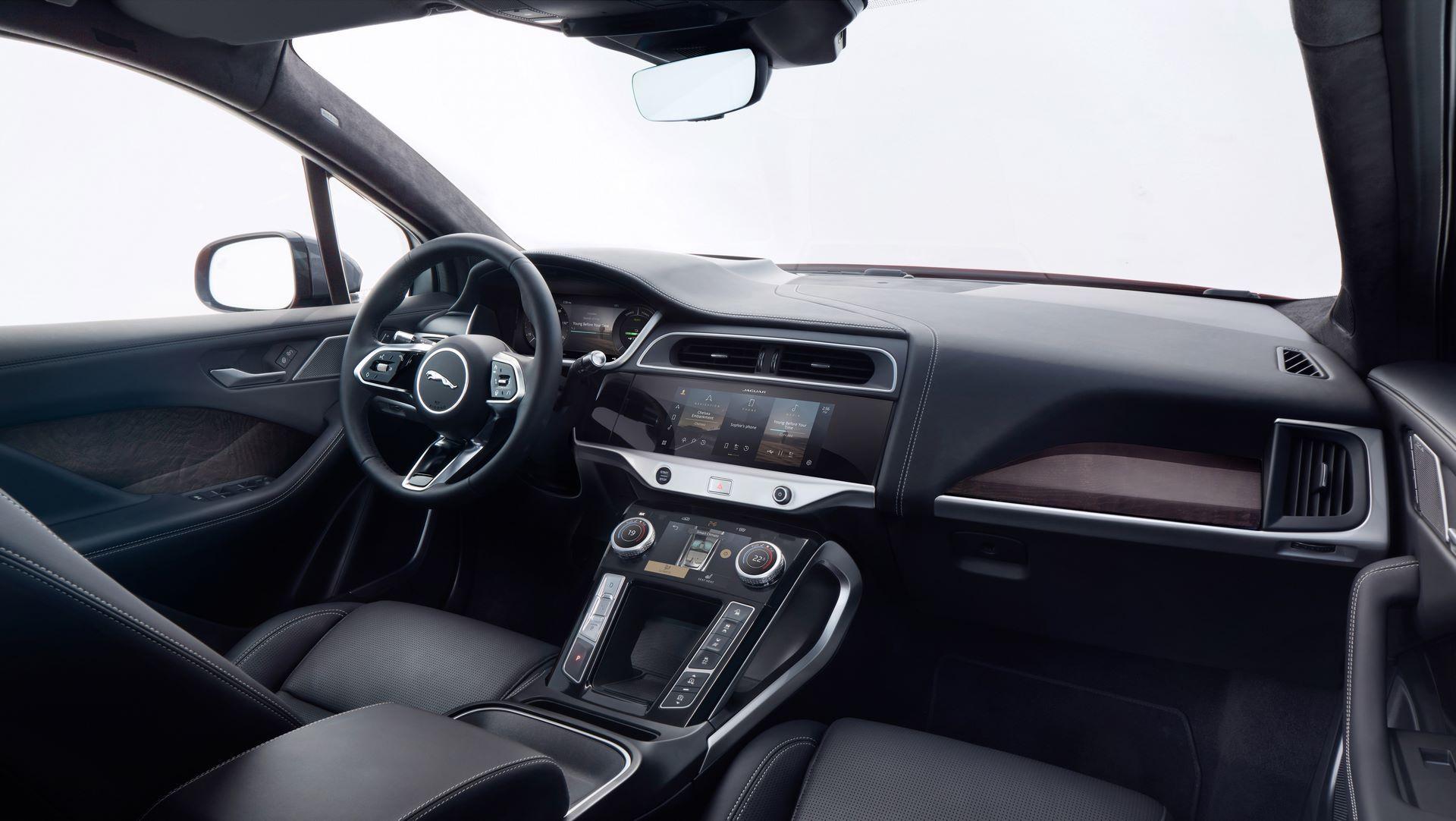 Jaguar-I-Pace-2021-34