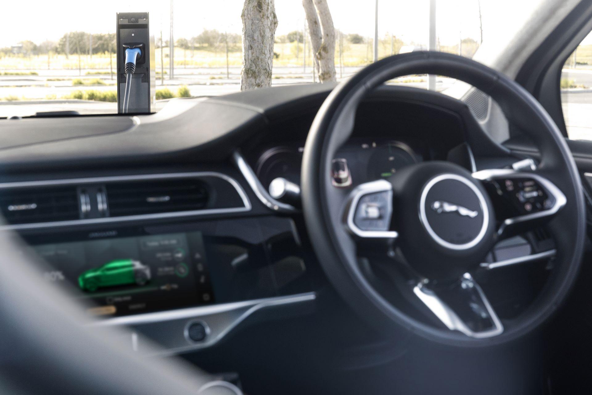 Jaguar-I-Pace-2021-35