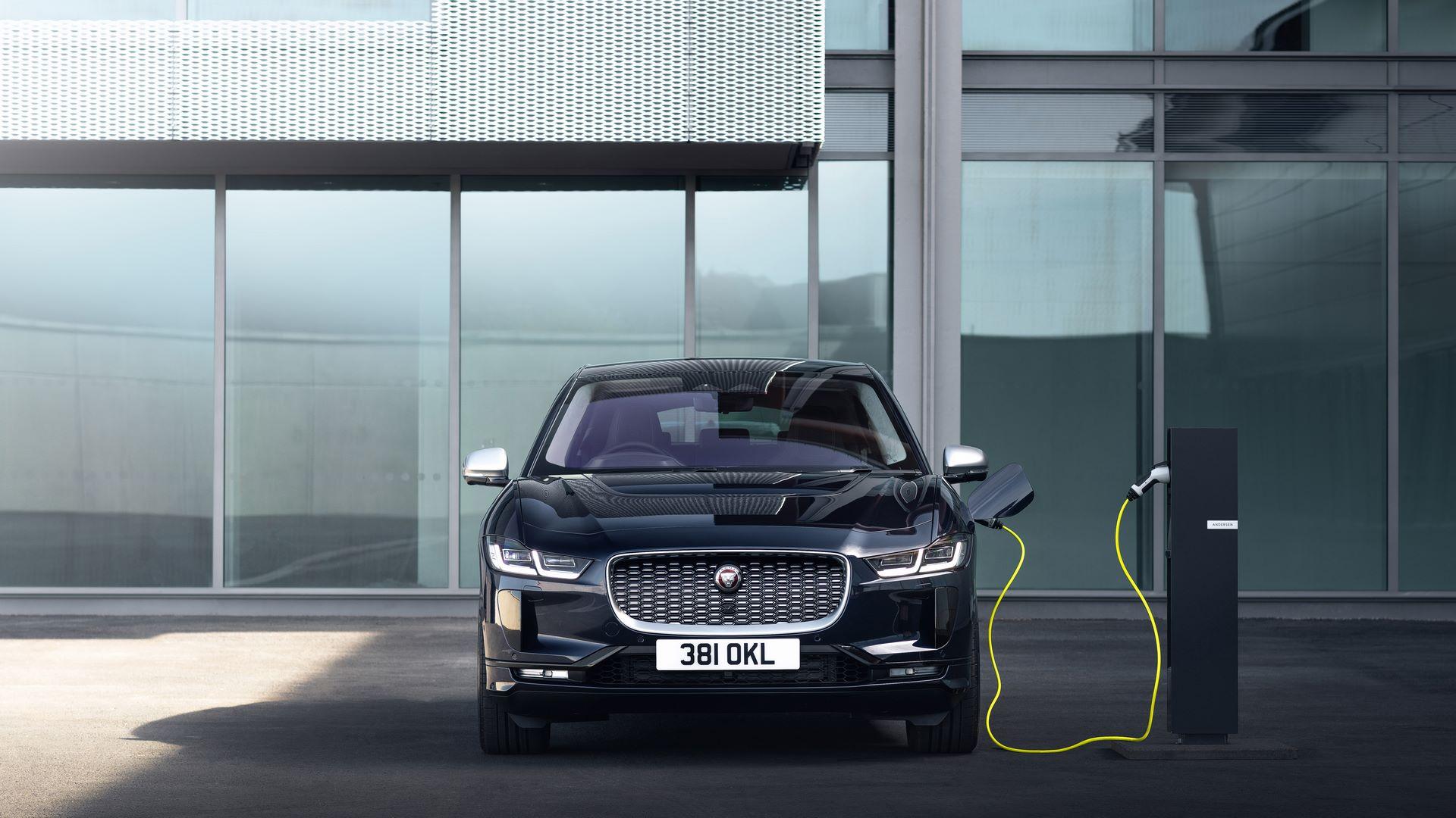 Jaguar-I-Pace-2021-4