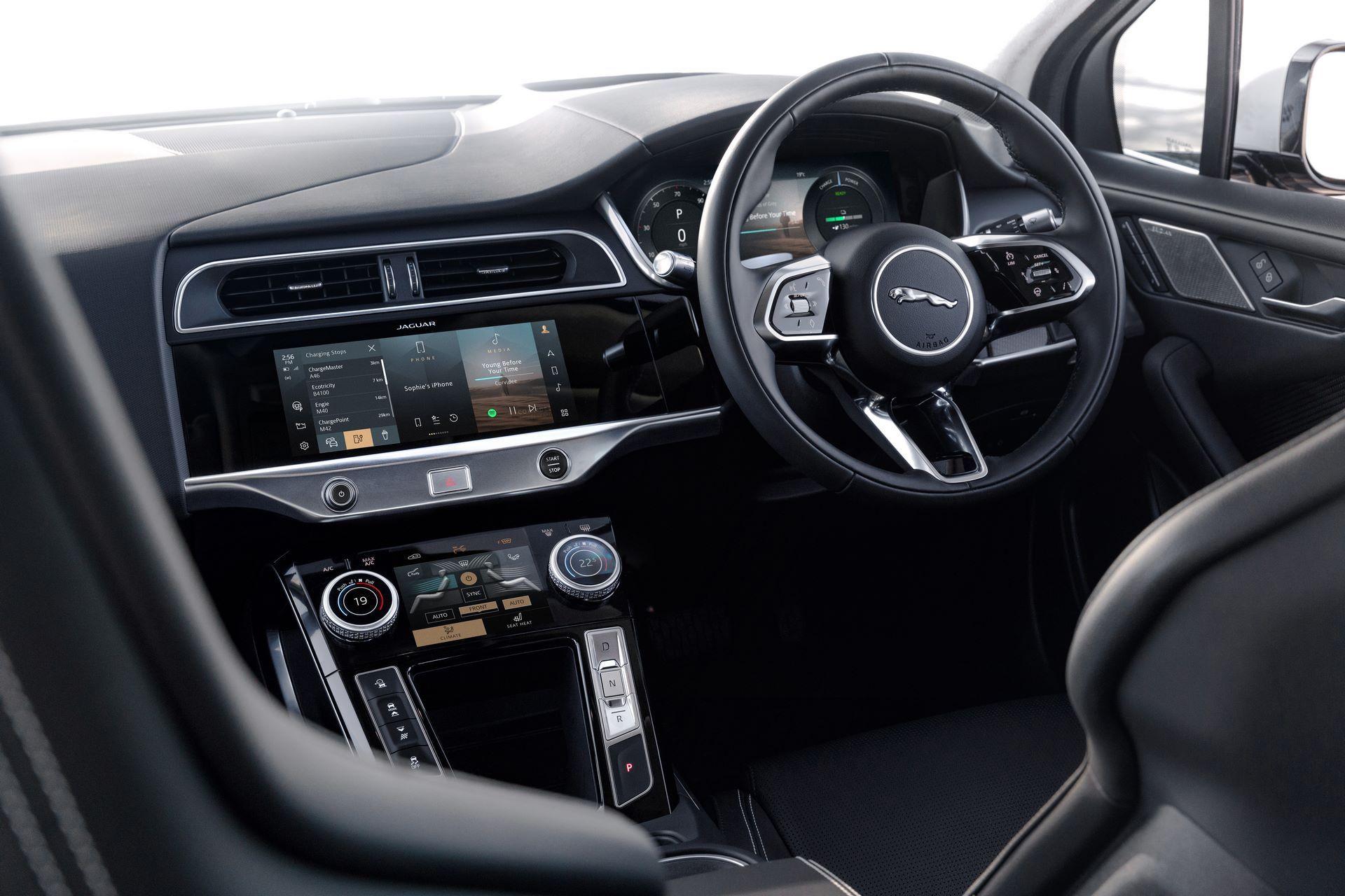 Jaguar-I-Pace-2021-41