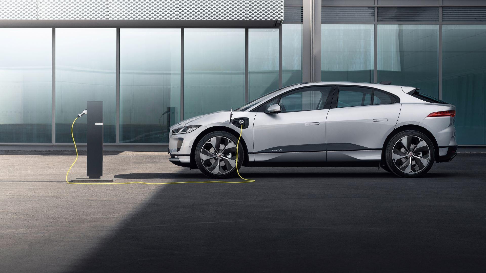 Jaguar-I-Pace-2021-6