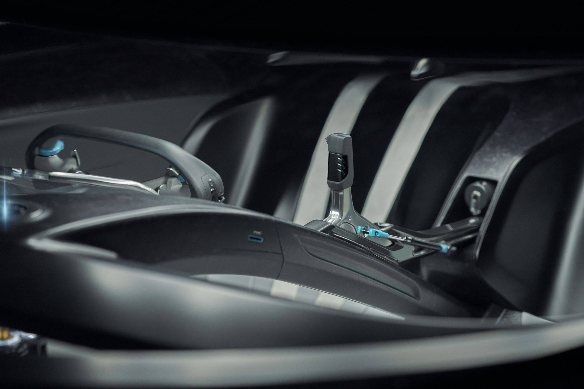 Jaguar-Vision-Gran-Turismo-SV-32