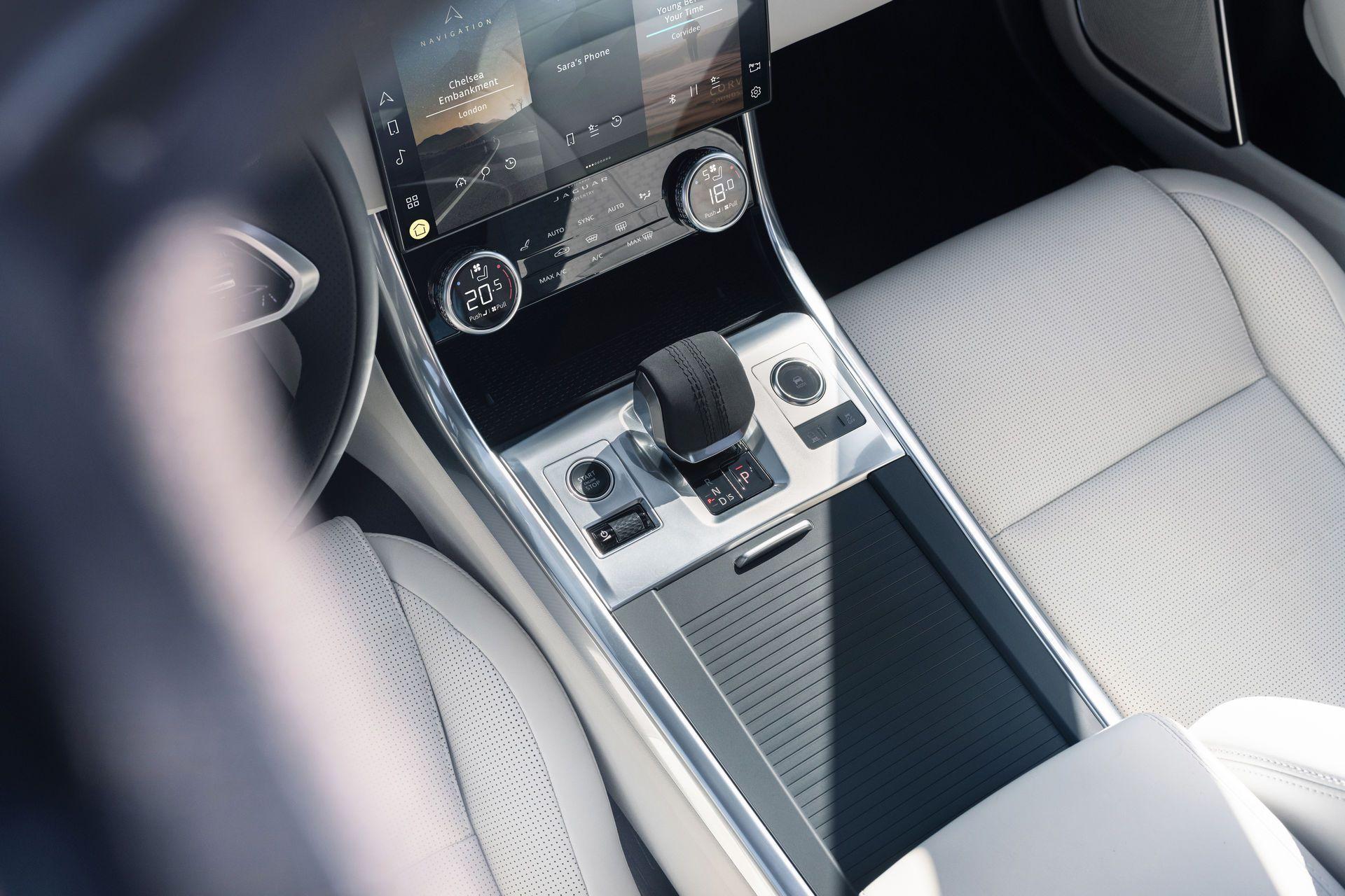 Jaguar-XF-2021-100