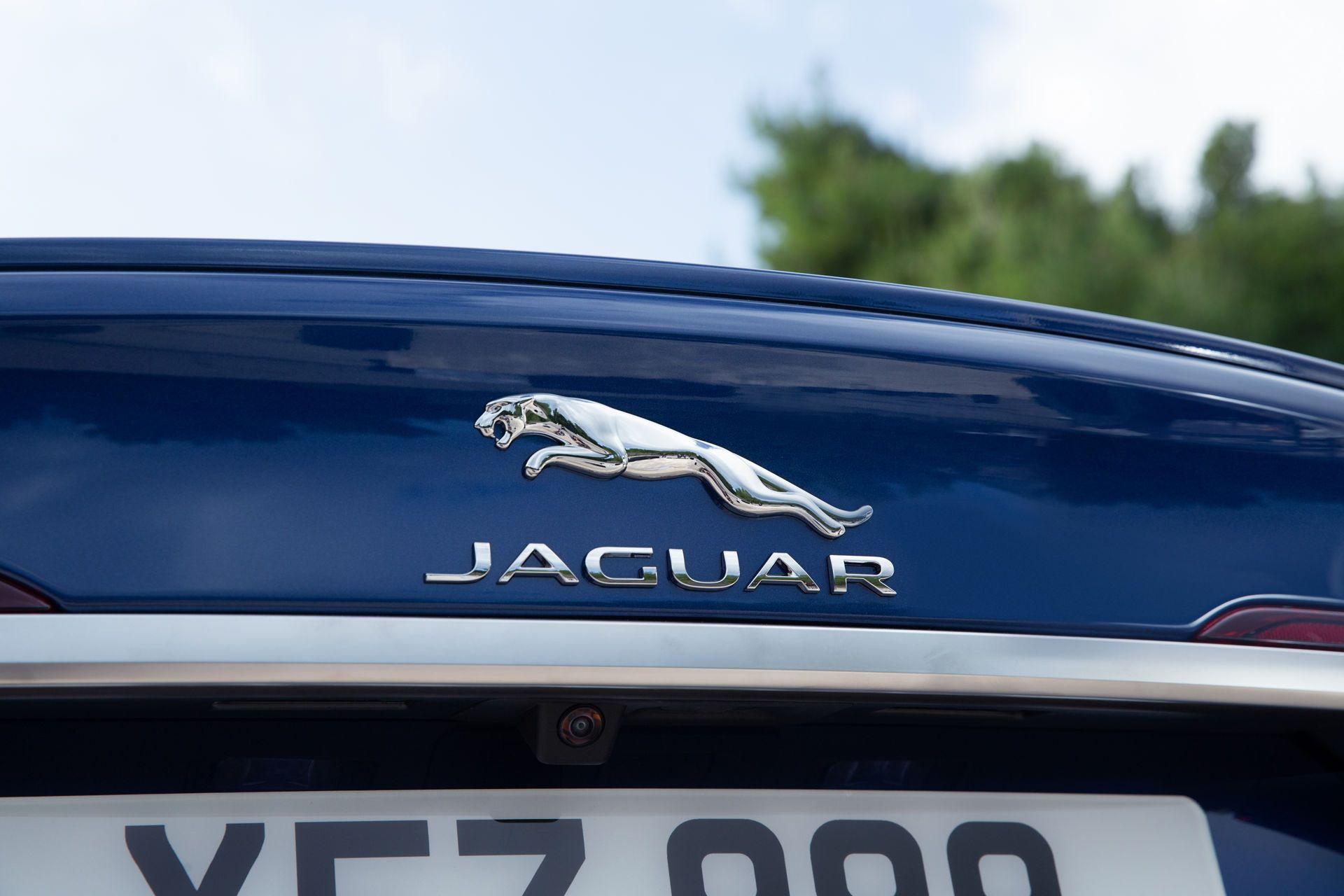 Jaguar-XF-2021-18