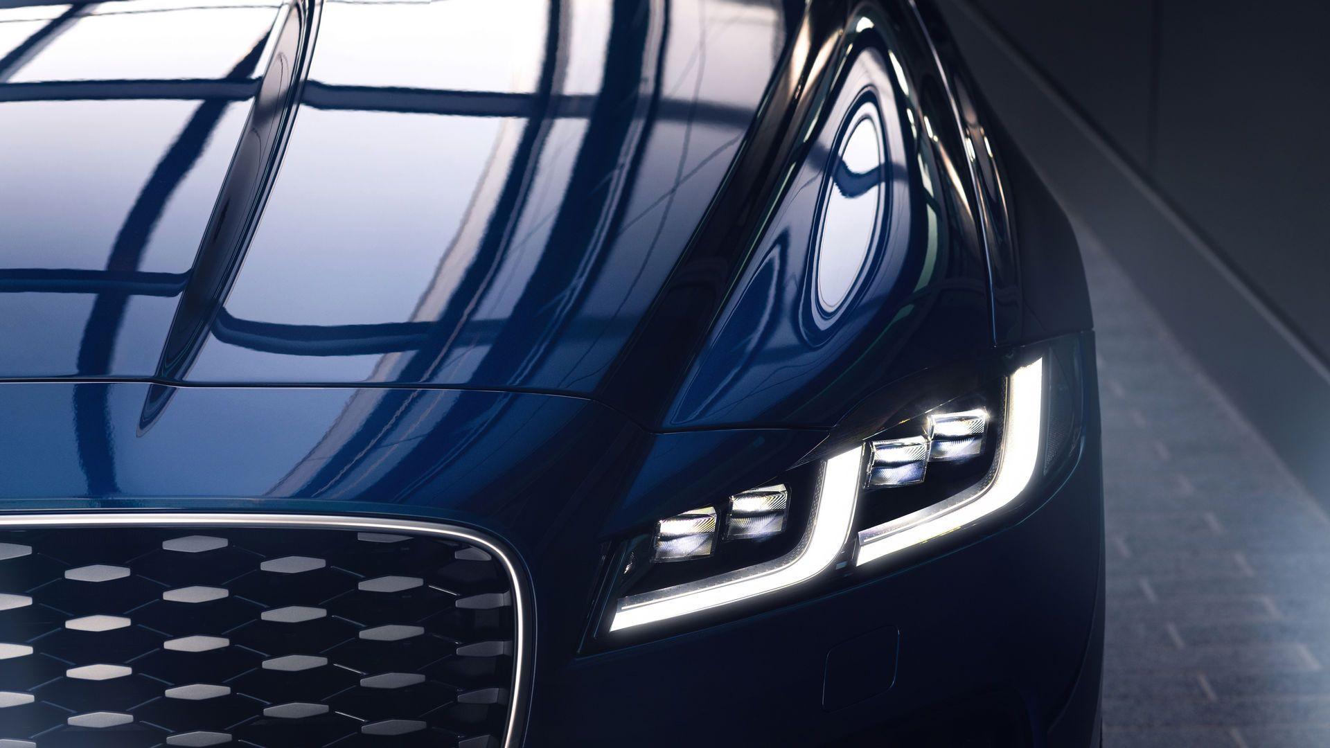 Jaguar-XF-2021-41