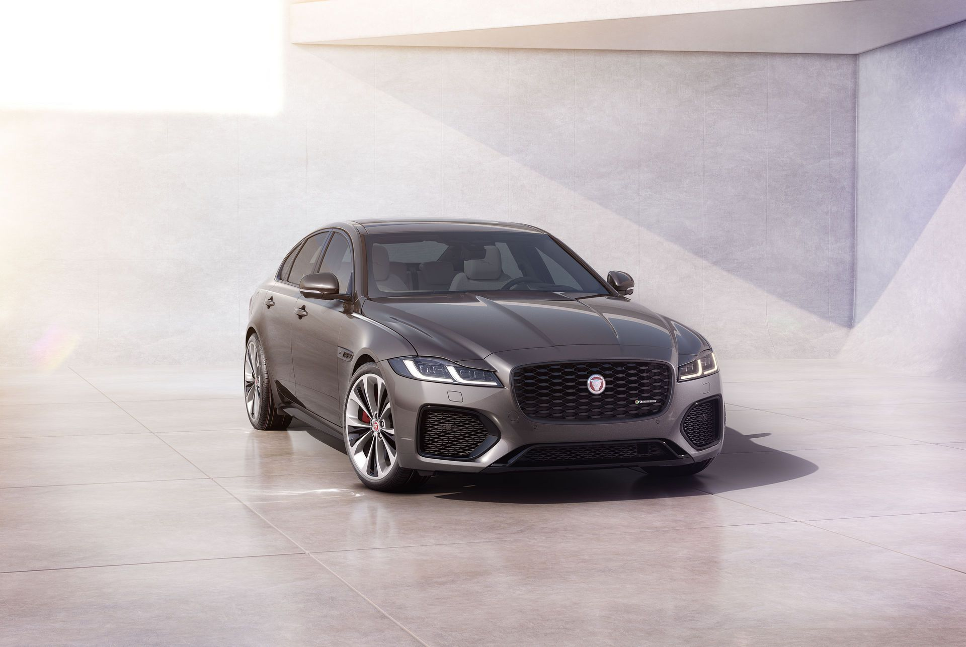 Jaguar-XF-2021-58