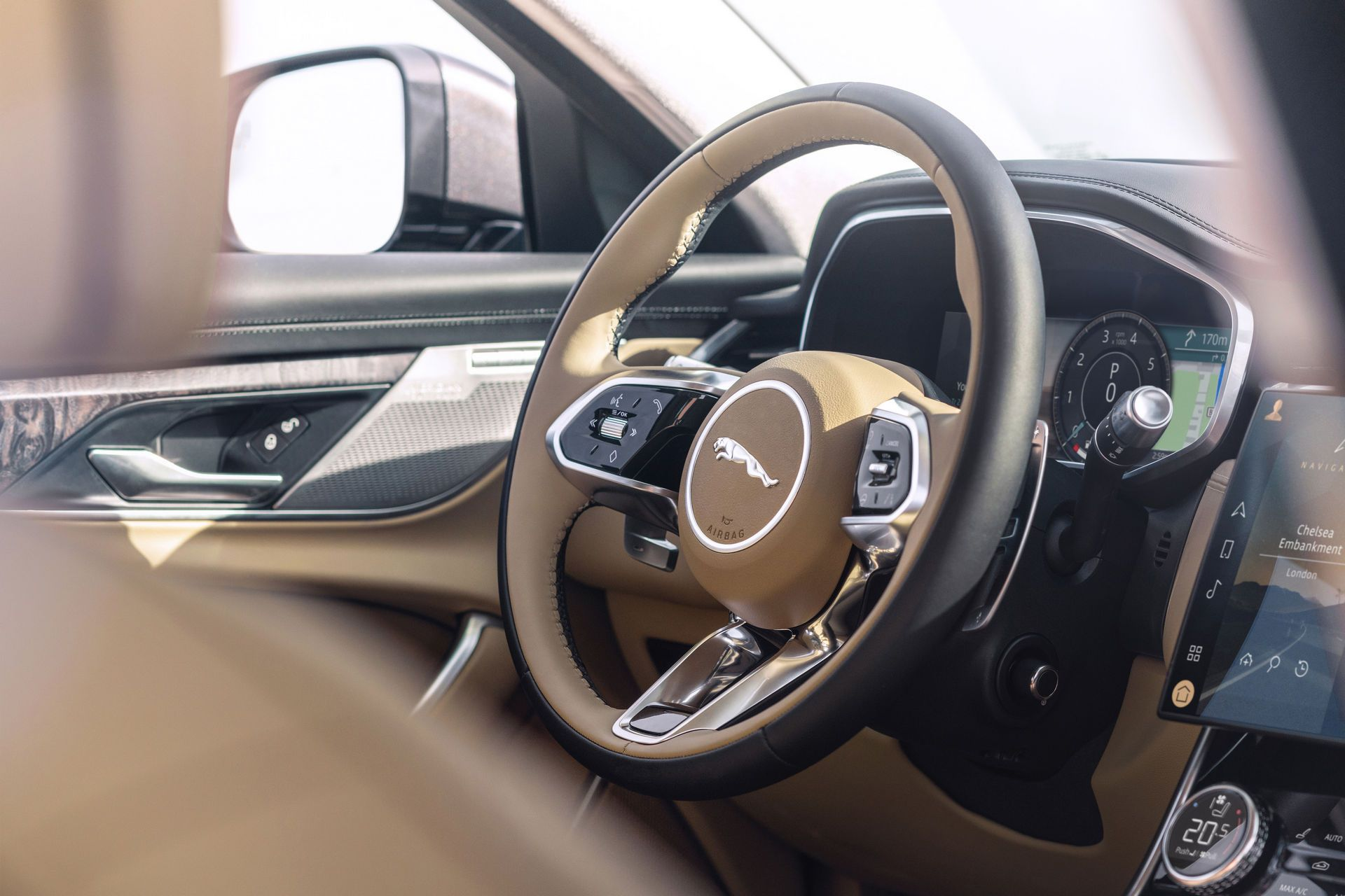 Jaguar-XF-2021-64