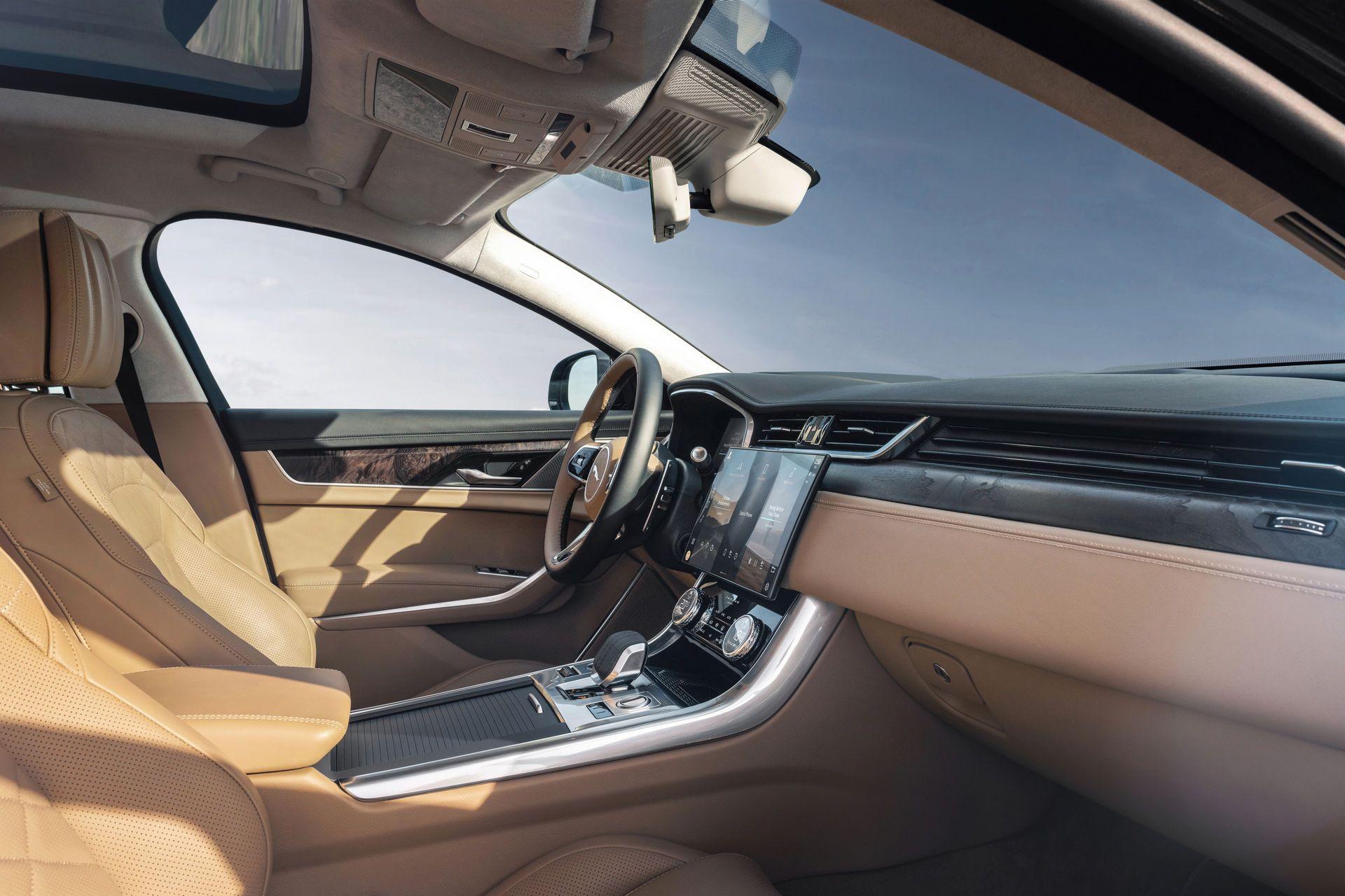 Jaguar-XF-2021-67