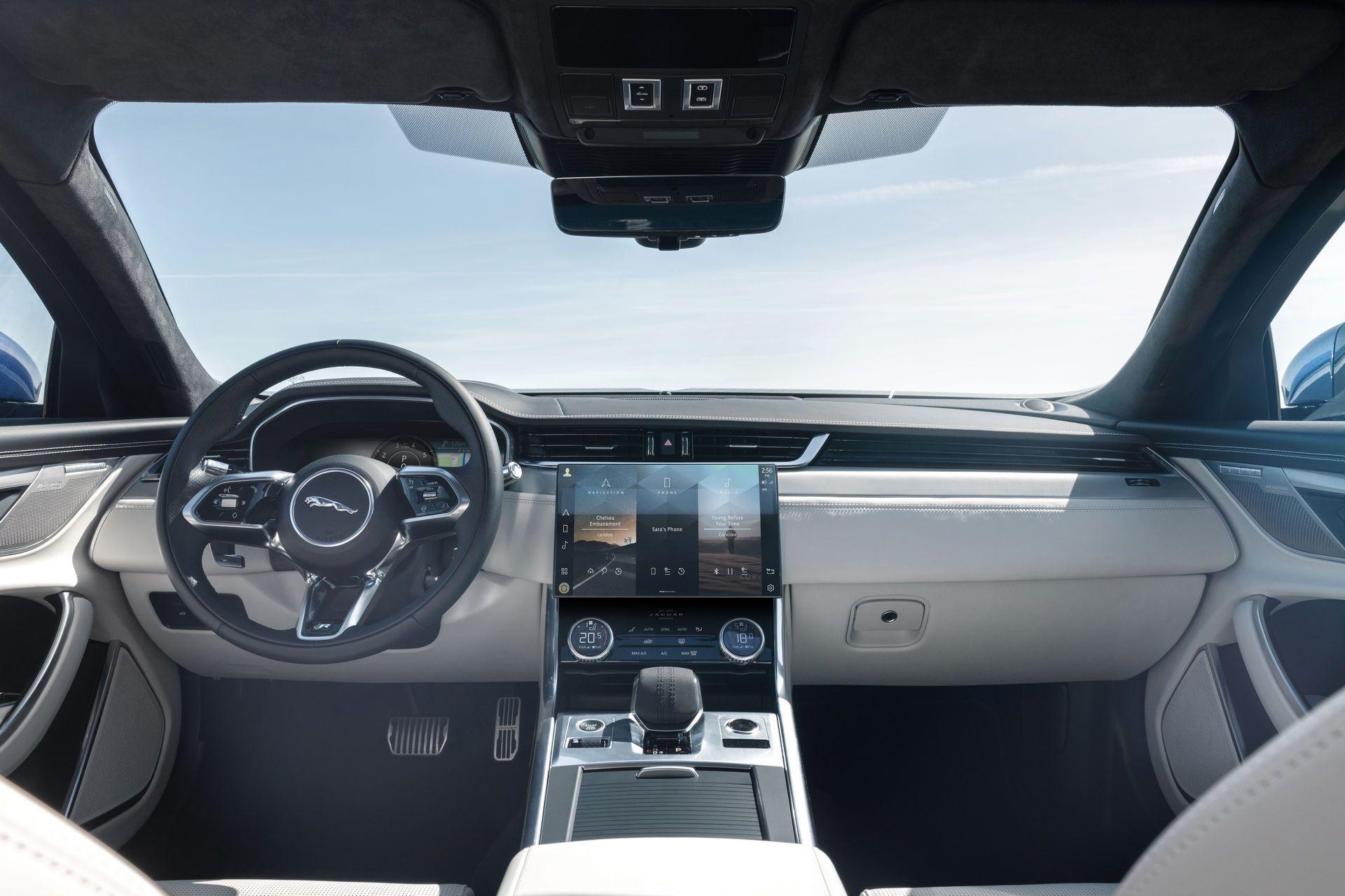 Jaguar-XF-2021-92