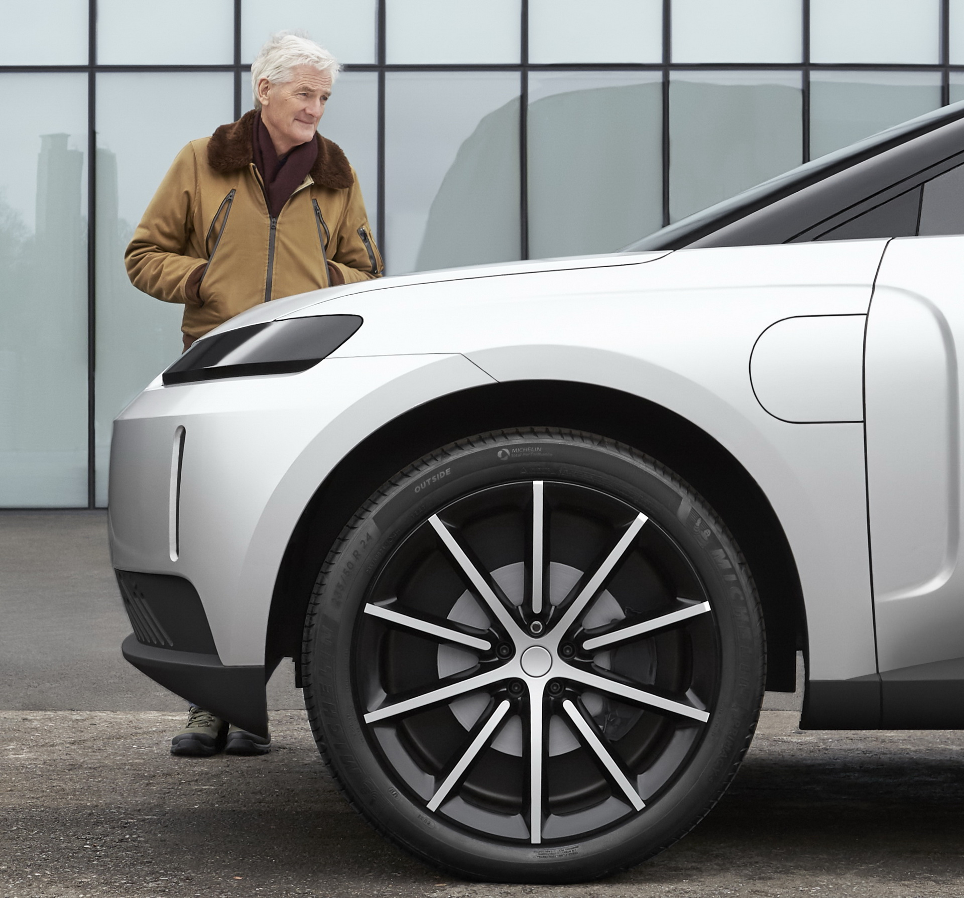 James-Dyson-electric-car-10