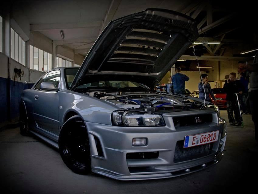 Janssen_Automotive_Nissan_R34_Skyline_GT-R_0005
