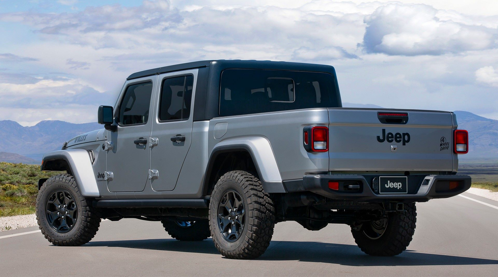 Jeep-Gladiator-Willys-3