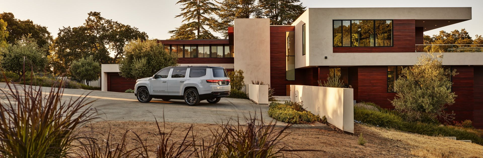 Jeep-Grand-Wagoneer-Concept-17