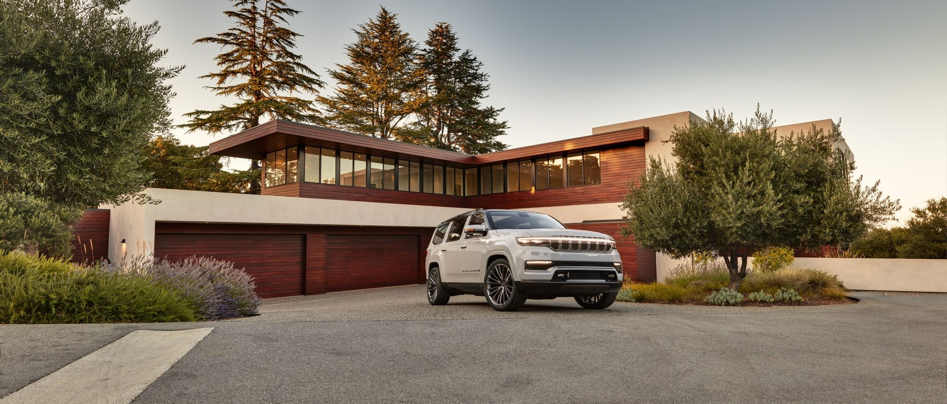 Jeep-Grand-Wagoneer-Concept-18