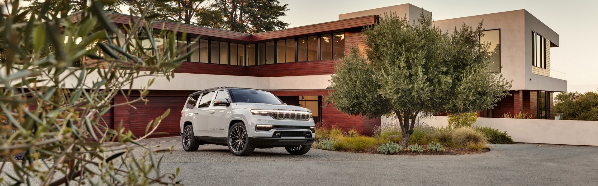 Jeep-Grand-Wagoneer-Concept-20